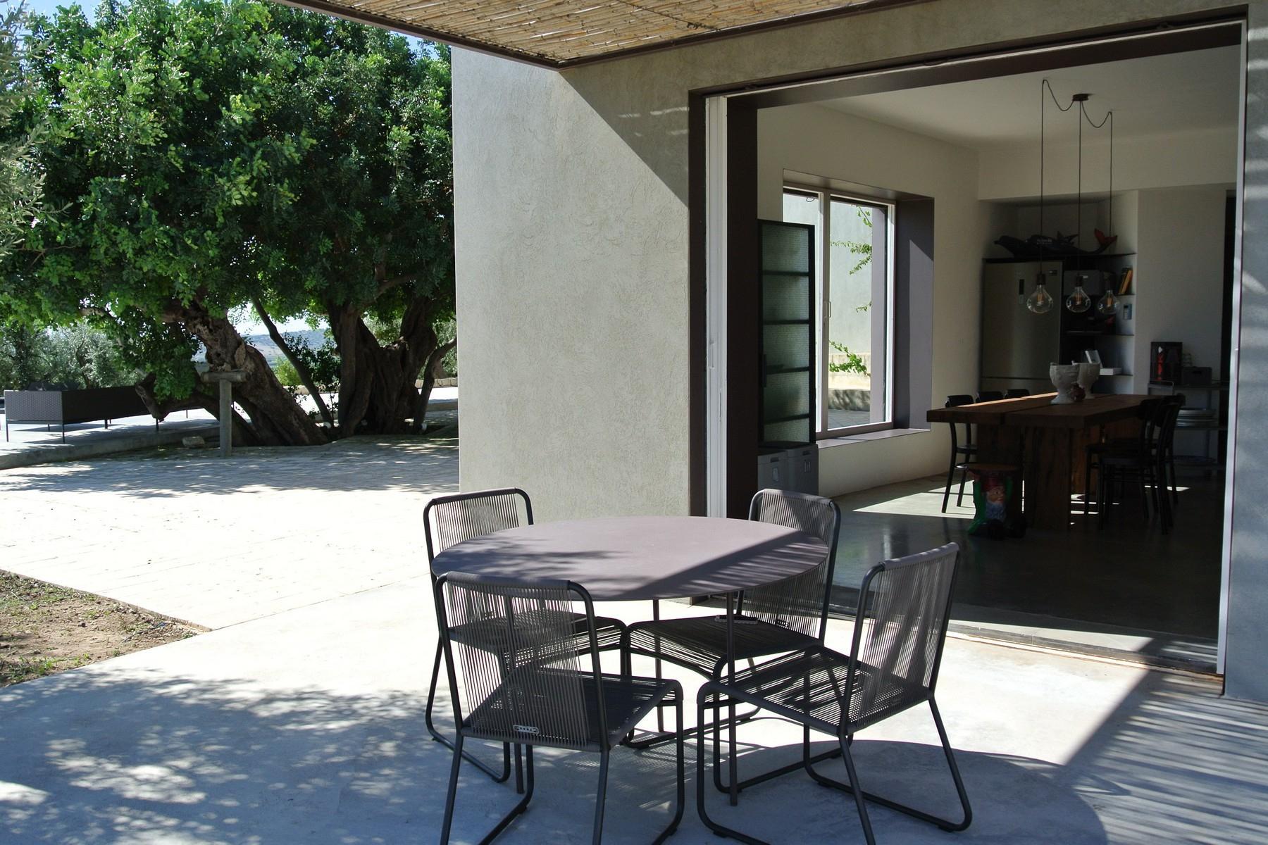Elegante Design-Villa mit Blick auf das Vendicari-Reservat - 10