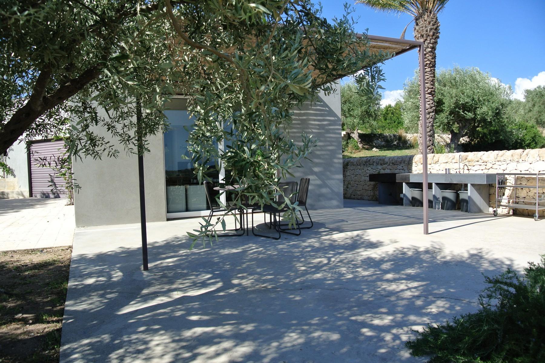 Elegante Design-Villa mit Blick auf das Vendicari-Reservat - 11