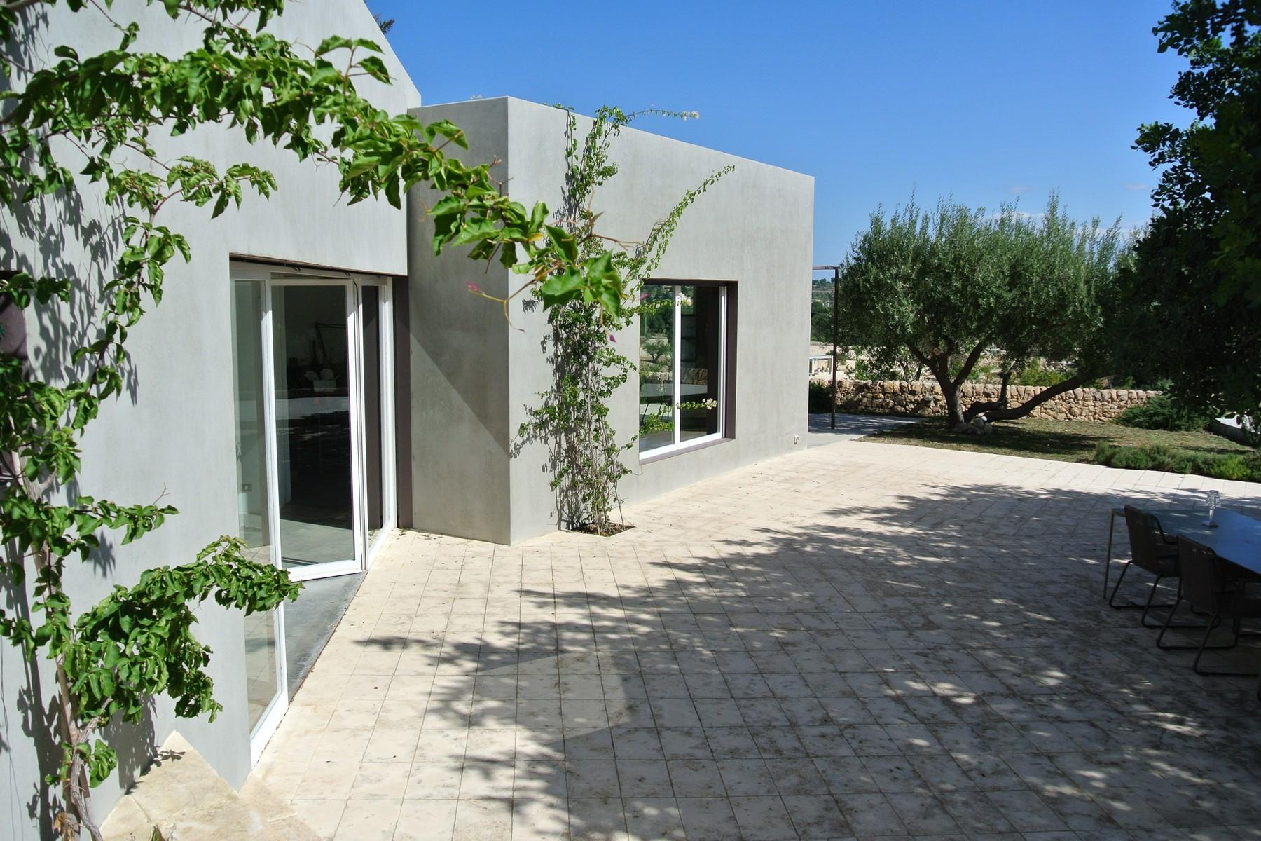 Noto Design villa overlooking Vendicari Natural Wildlife Reserve - 5