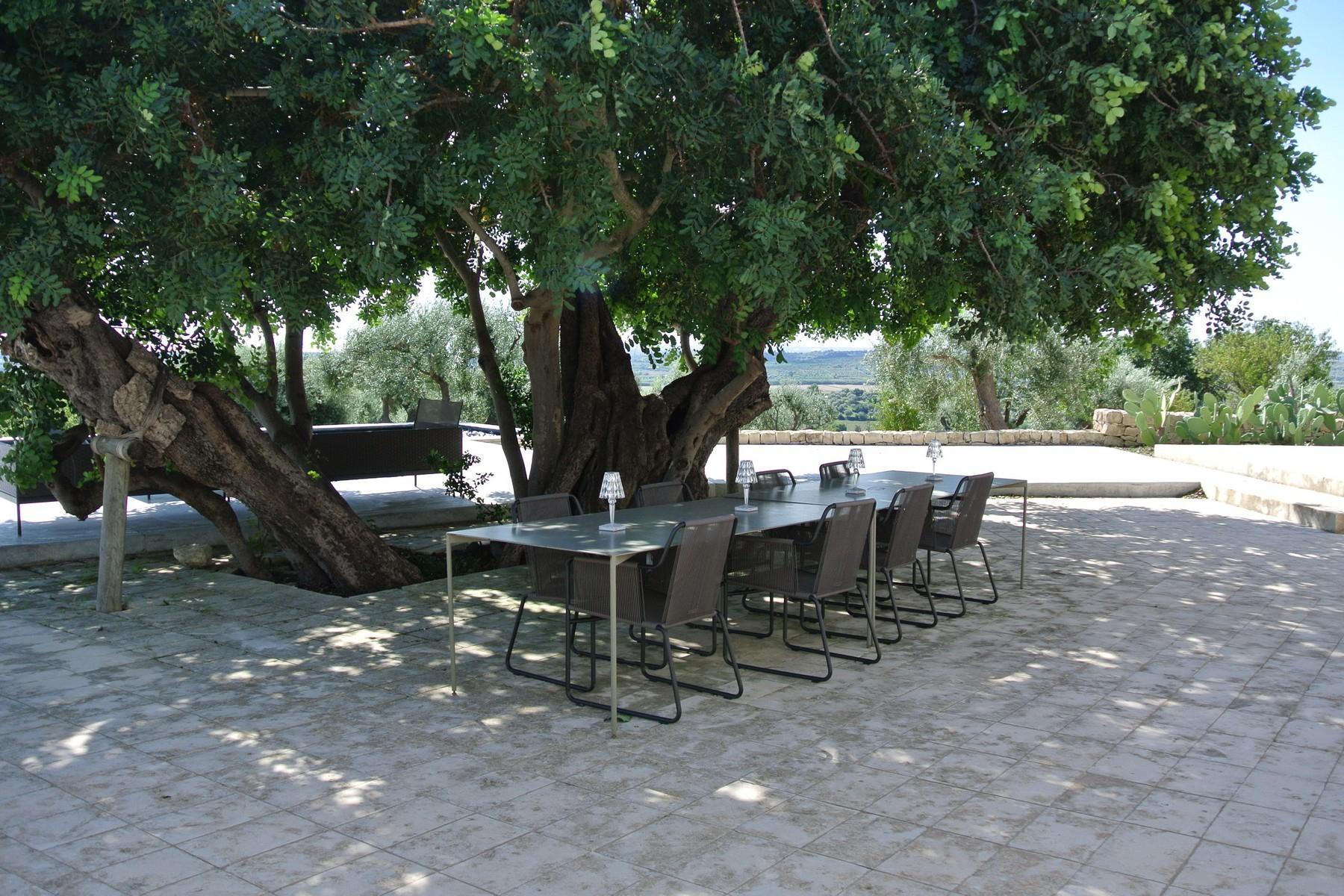Elegante Design-Villa mit Blick auf das Vendicari-Reservat - 13