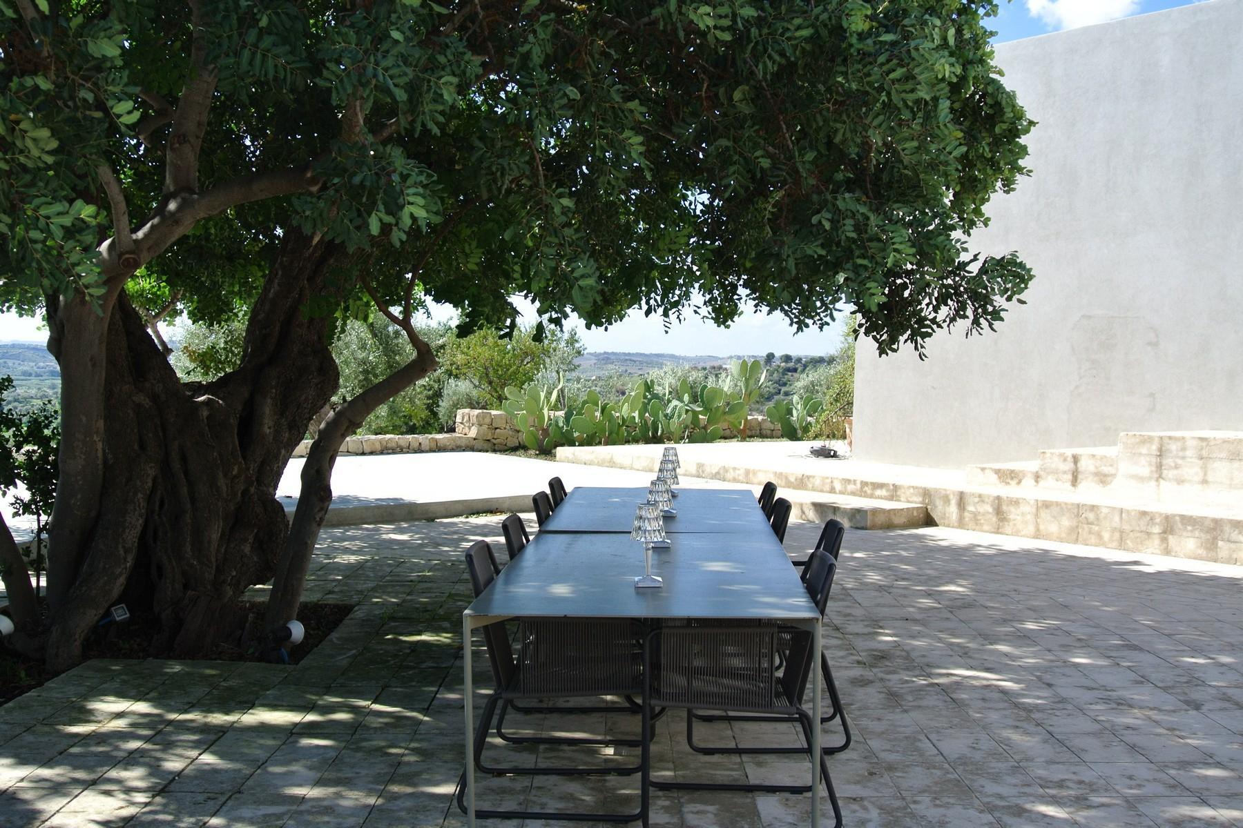 Elegante Design-Villa mit Blick auf das Vendicari-Reservat - 15