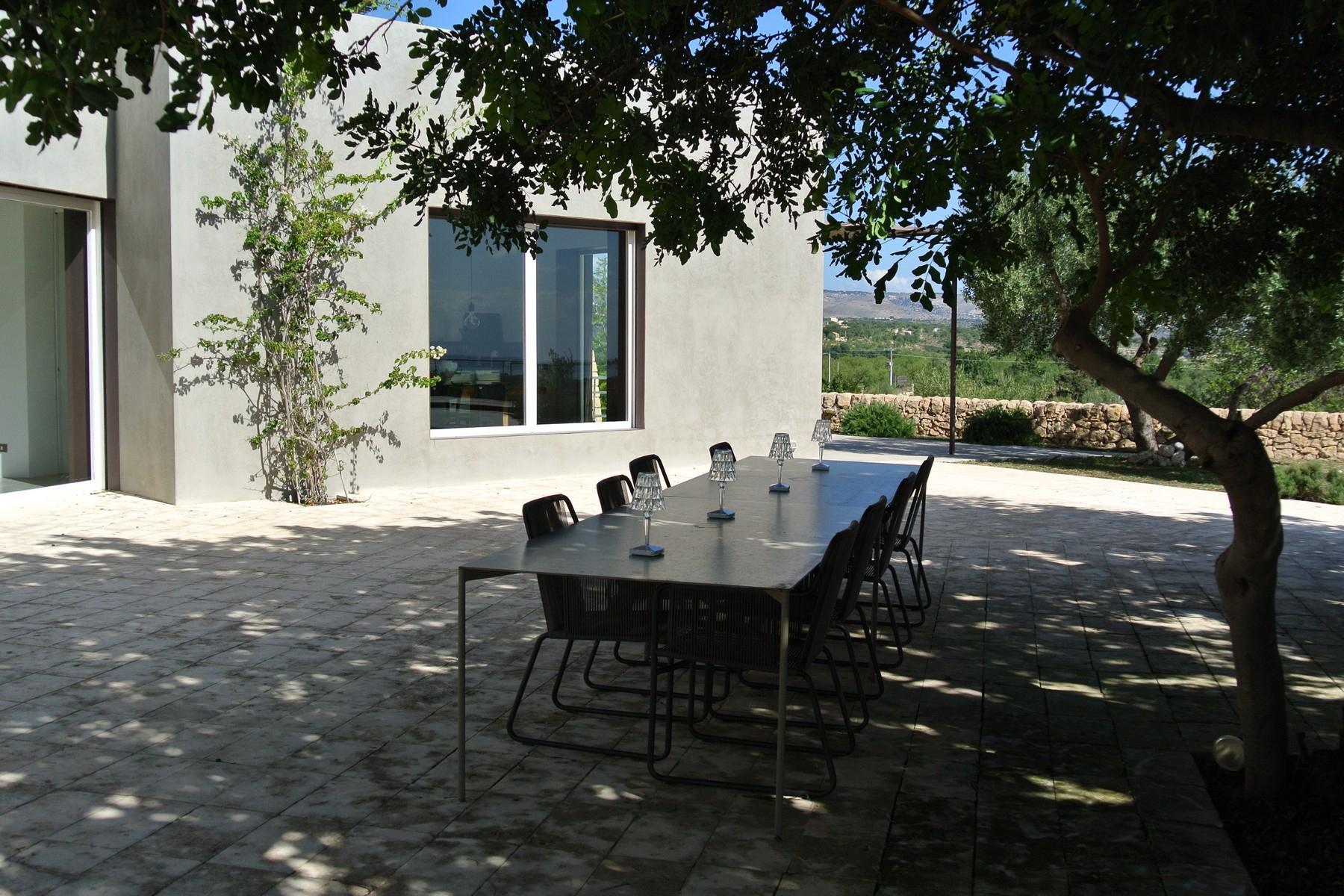 Elegante Design-Villa mit Blick auf das Vendicari-Reservat - 16