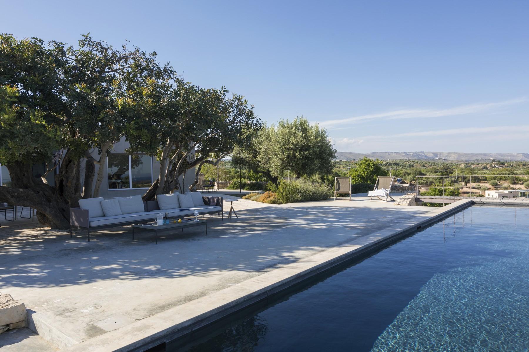 Elegante Design-Villa mit Blick auf das Vendicari-Reservat - 14