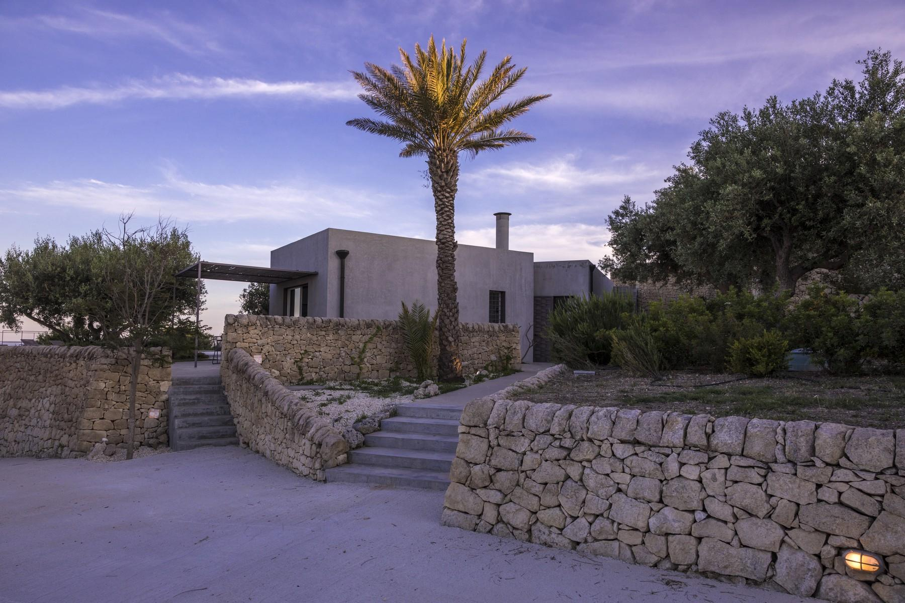 Noto Design villa overlooking Vendicari Natural Wildlife Reserve - 2