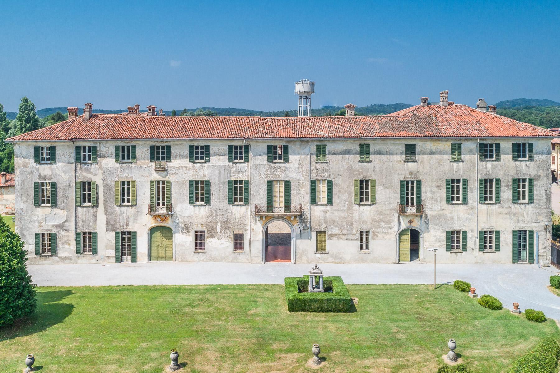 Villa storica del XVII secolo in Alzate Brianza - 1