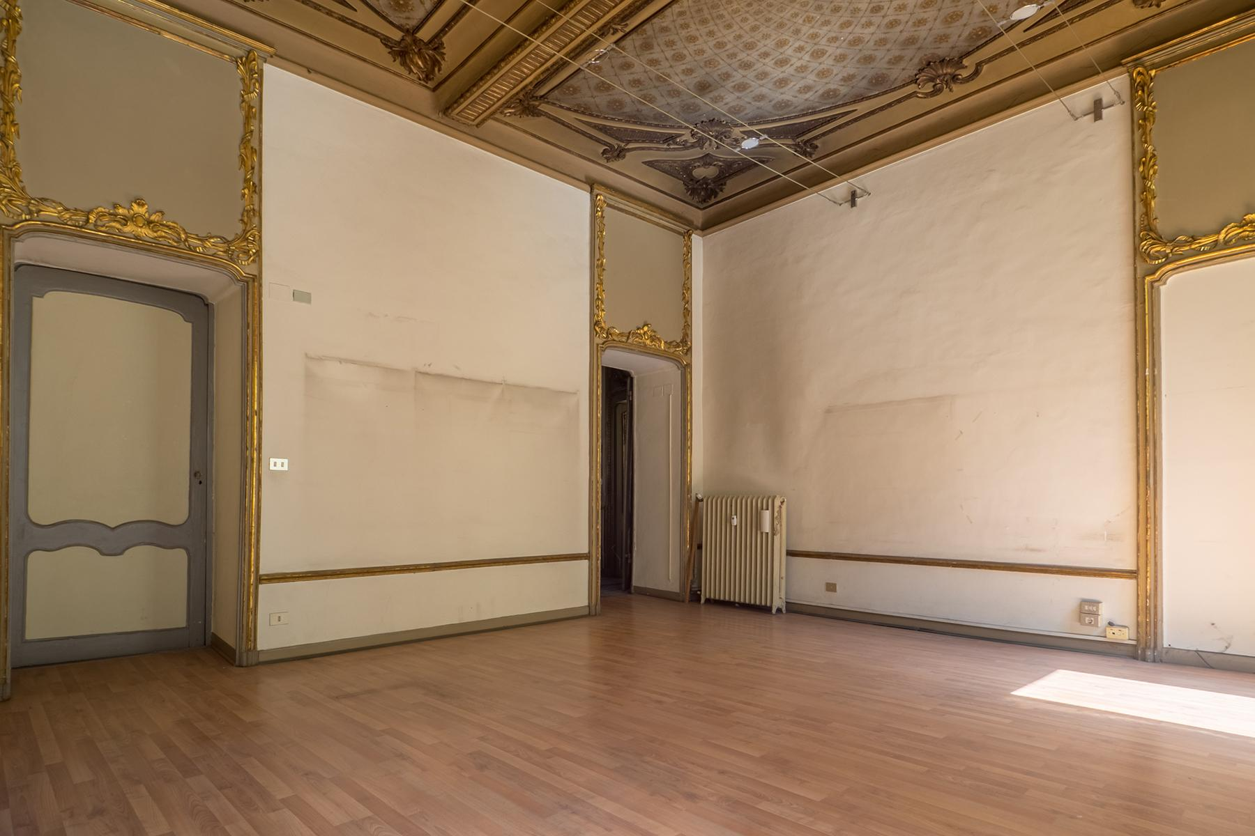 Prestigious office in the center of Turin - 9