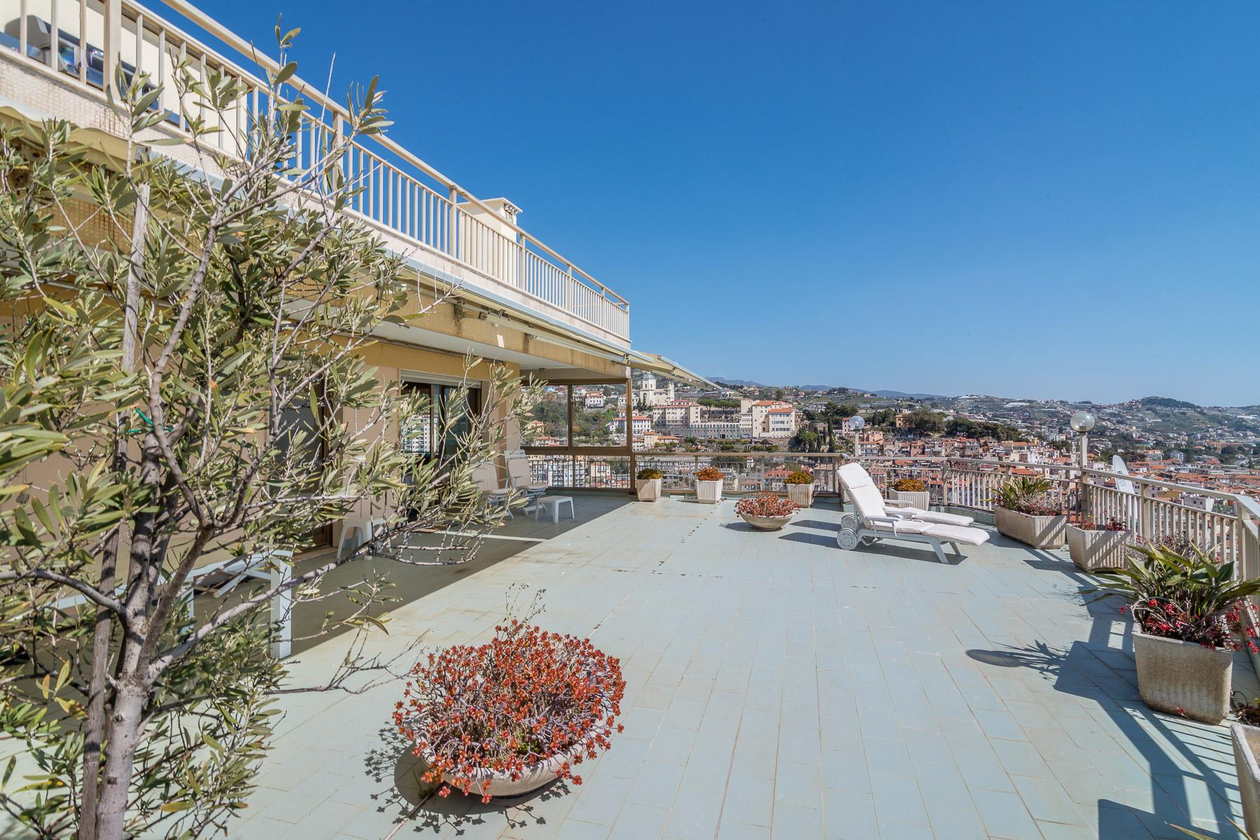Panoramic apartment with terrace of around 80 sqm - 5