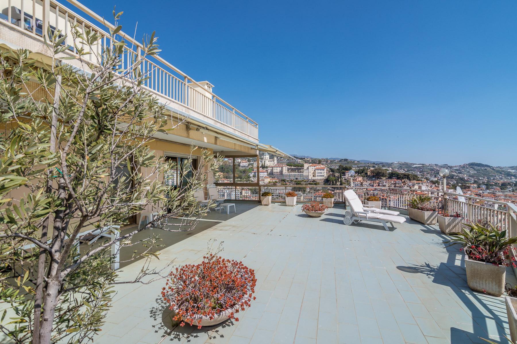Panoramico appartamento con terrazzo al piano di circa 80 mq - 5