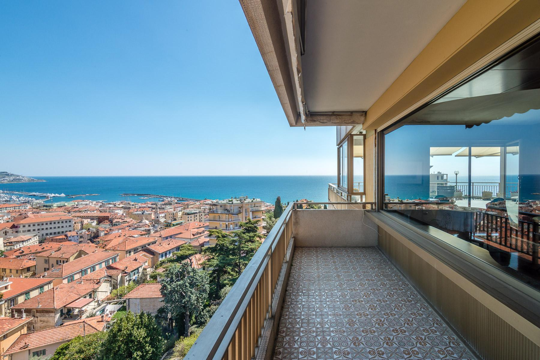 Panoramico appartamento con terrazzo al piano di circa 80 mq - 12