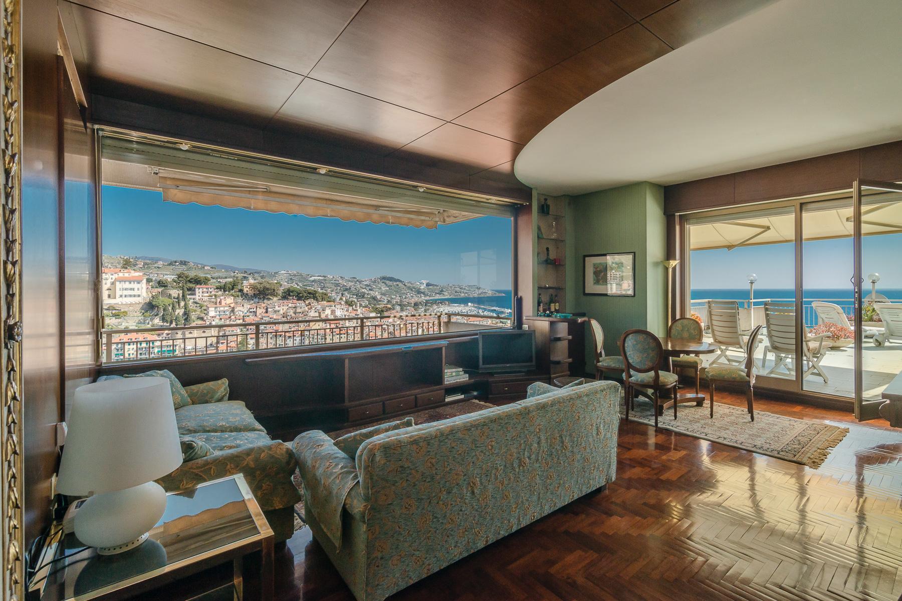 Panoramico appartamento con terrazzo al piano di circa 80 mq - 10
