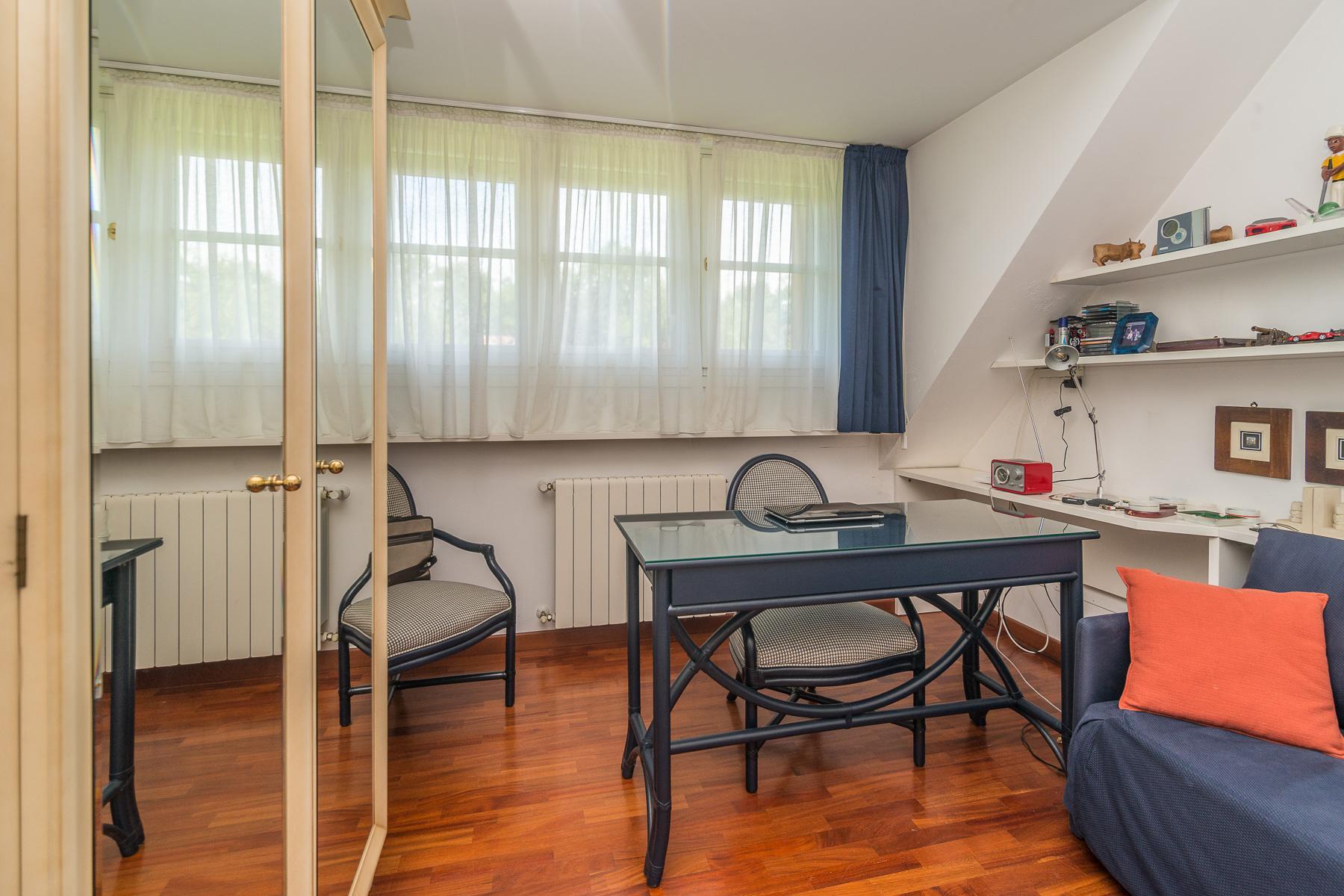 Golf Club de Castelconturbia, maison individuelle de 300 m² avec jardin de 1500 m² et jacuzzi - 23