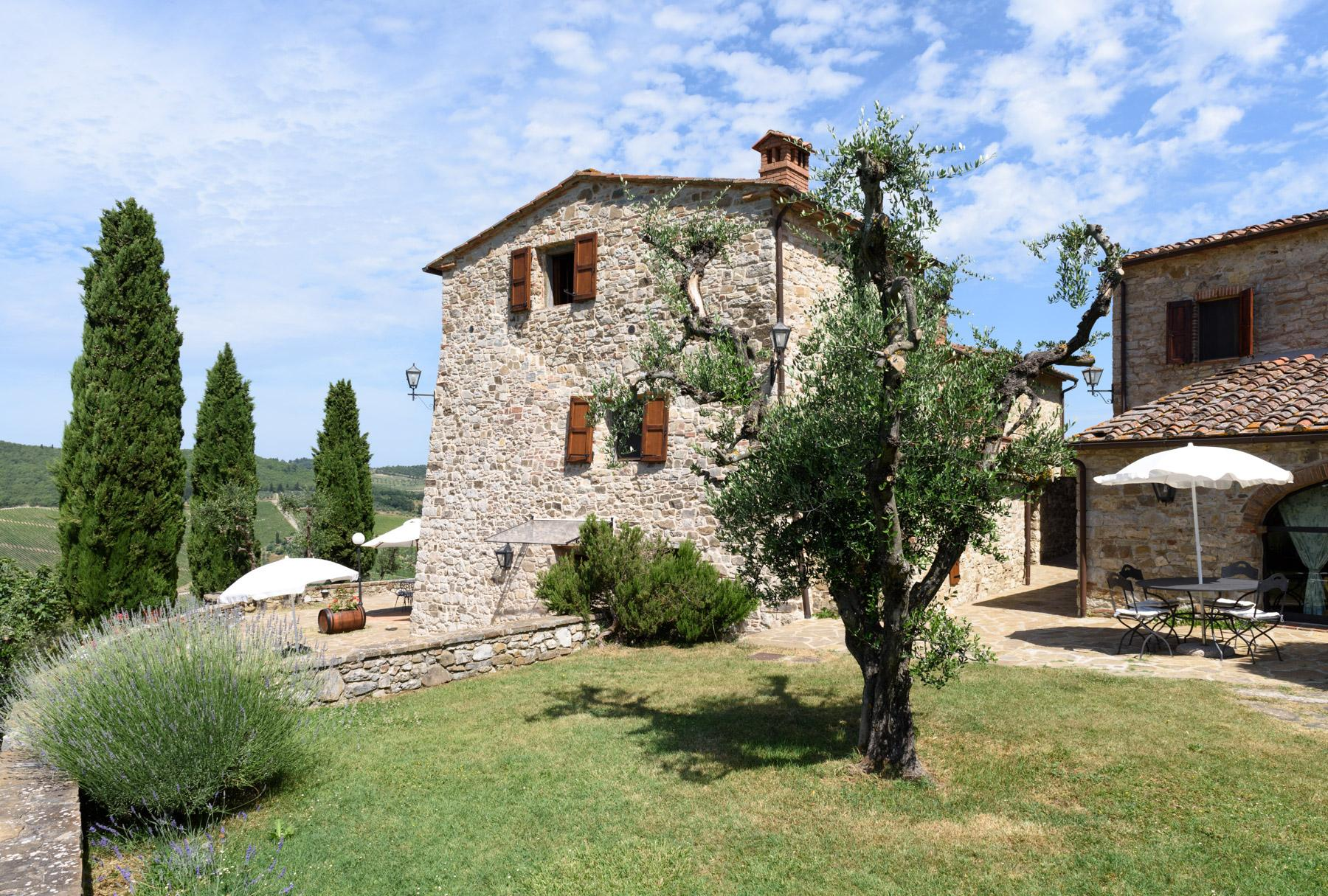 Enchanting farm in the heart of Chianti - 5
