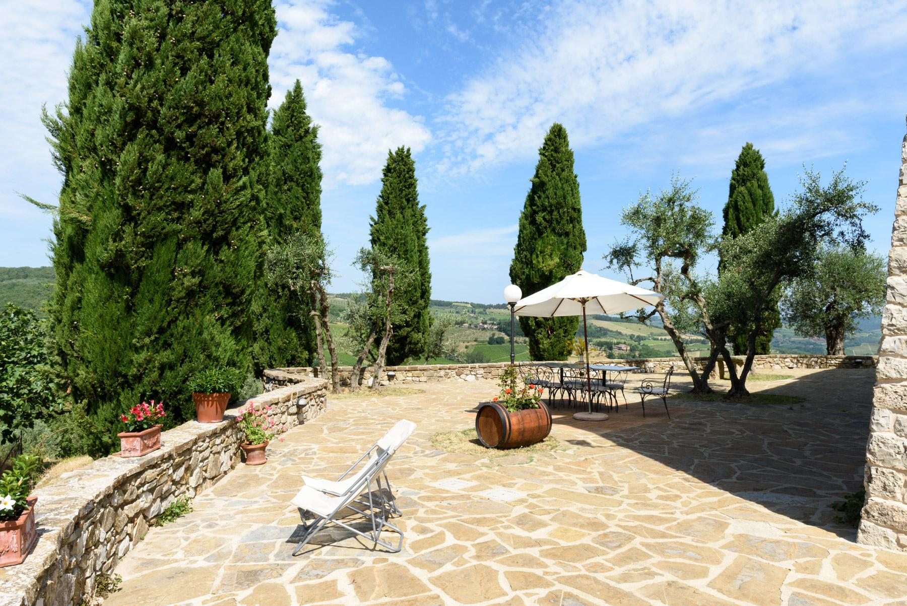 Enchanting farm in the heart of Chianti - 8