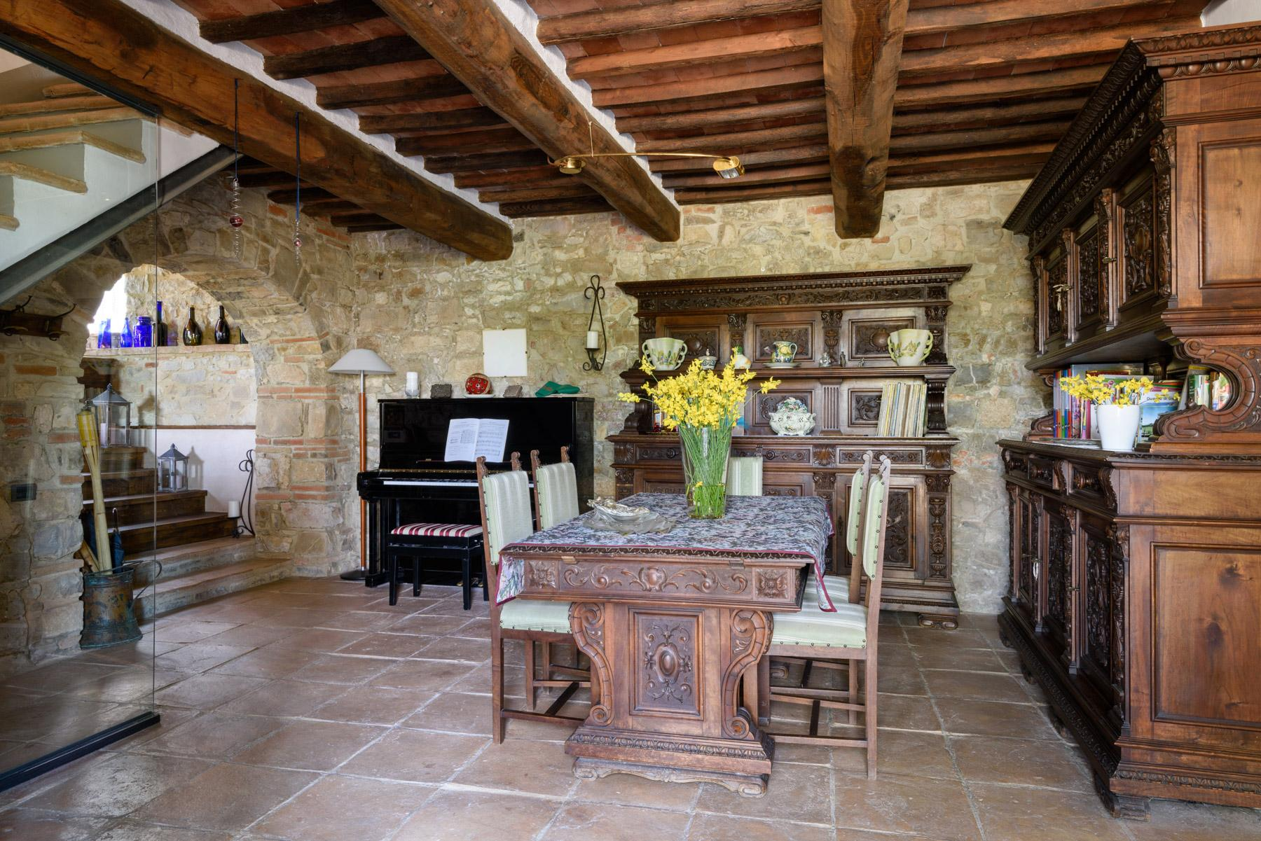 Enchanting farm in the heart of Chianti - 11