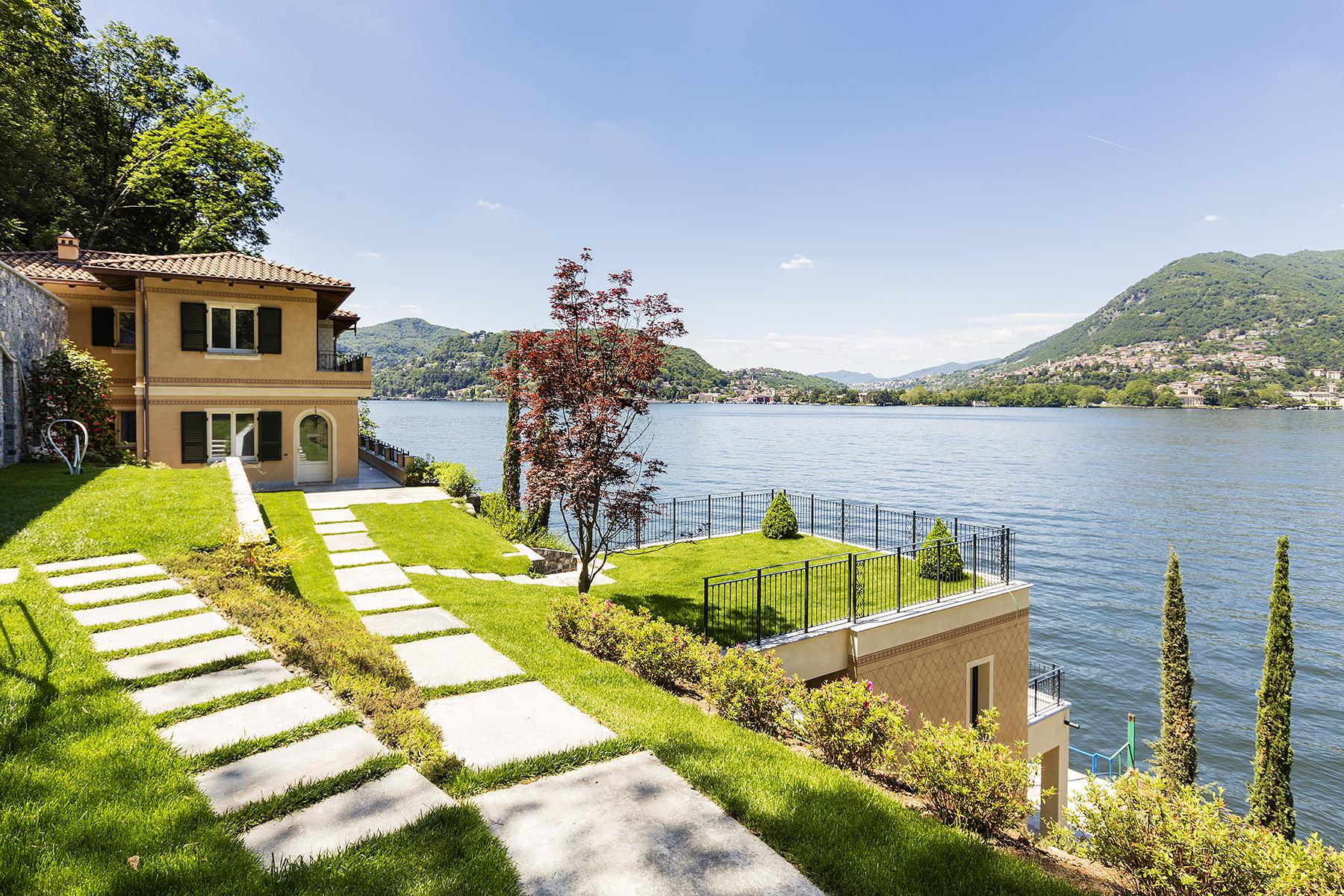 Fascinating villa in one of the most strategic areas of the lake - 13