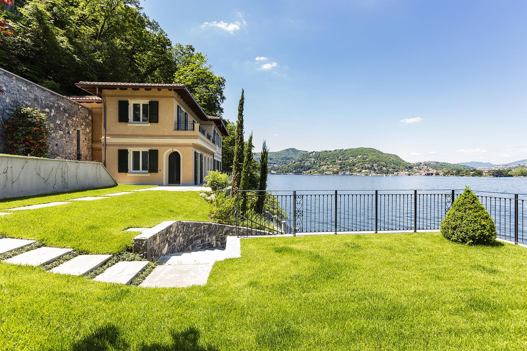 Fascinating villa in one of the most strategic areas of the lake - 14