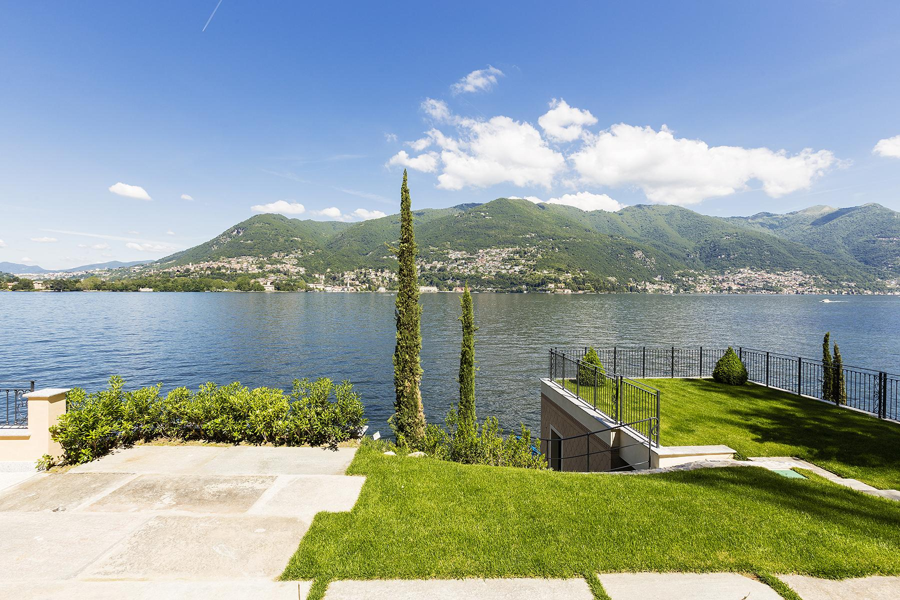 Fascinating villa in one of the most strategic areas of the lake - 22
