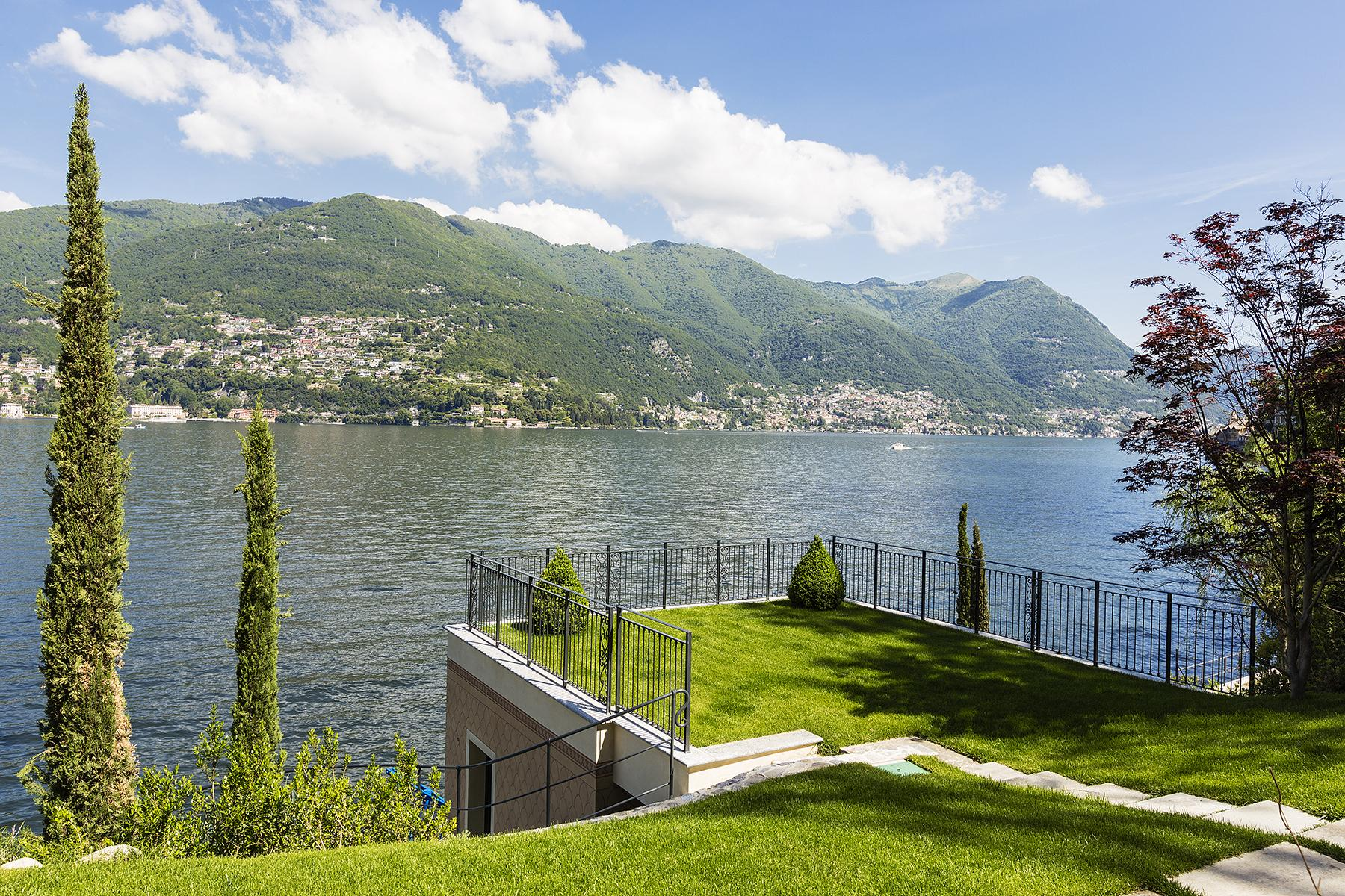 Fascinating villa in one of the most strategic areas of the lake - 24