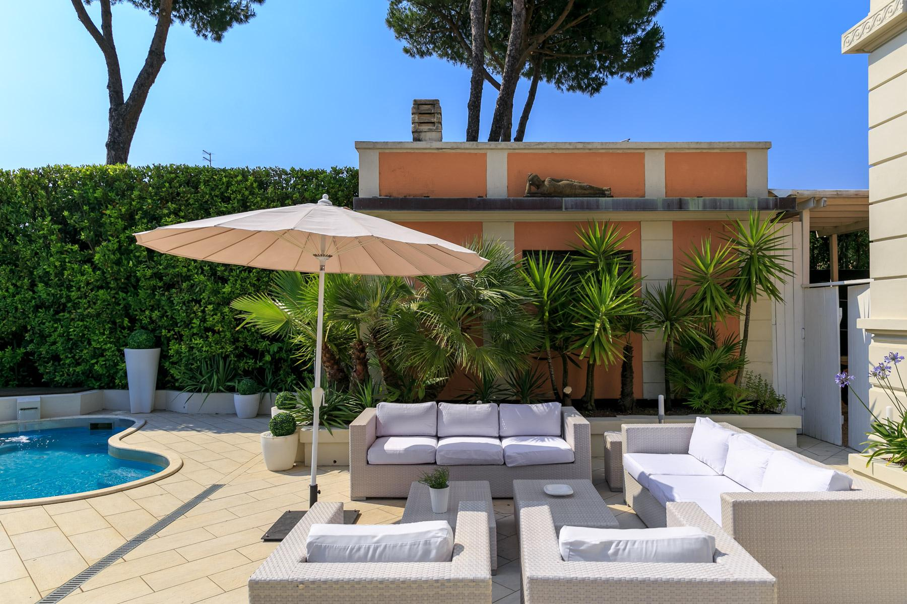 Seafront Villa with tower in Forte dei Marmi - 29