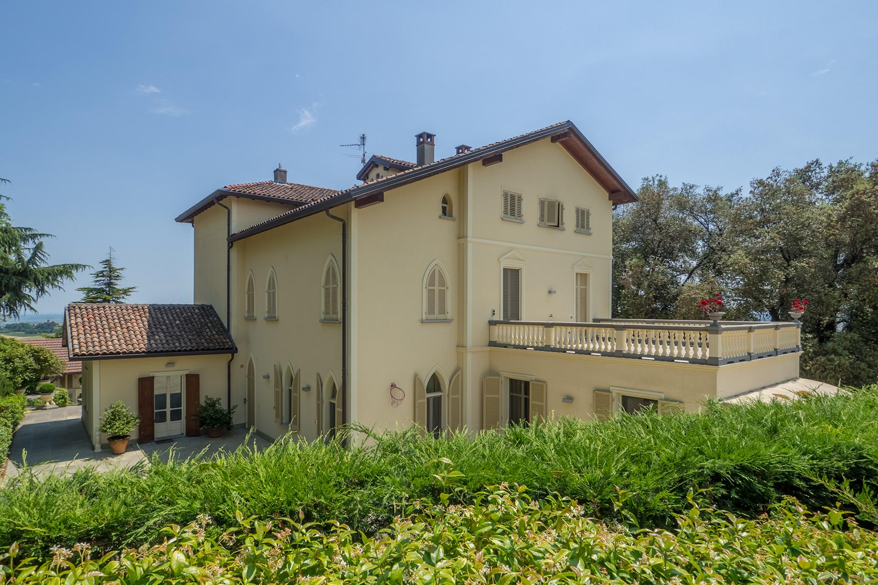 Majestic Liberty villa perched in one of Italy's most picturesque villages - 1