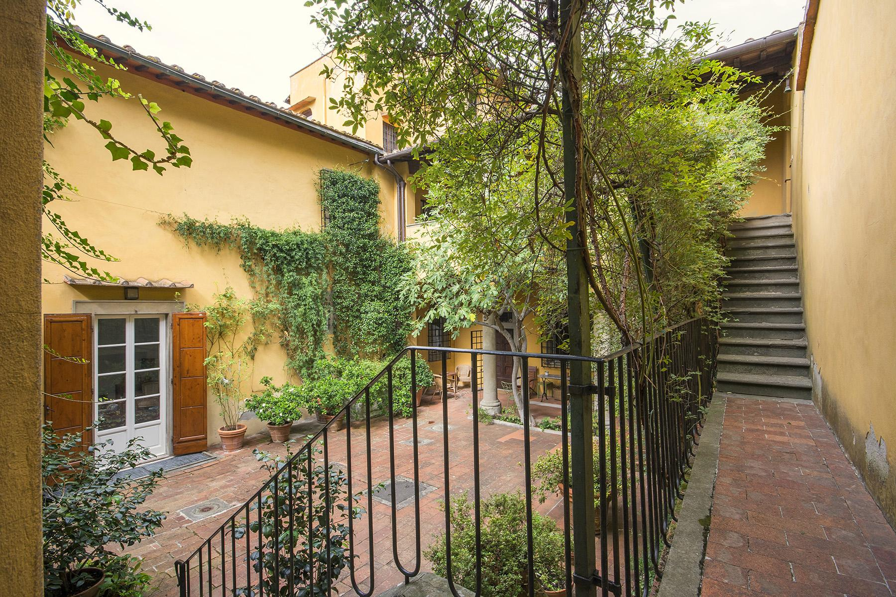 Magnificent villa of great charm close to the city center - 11