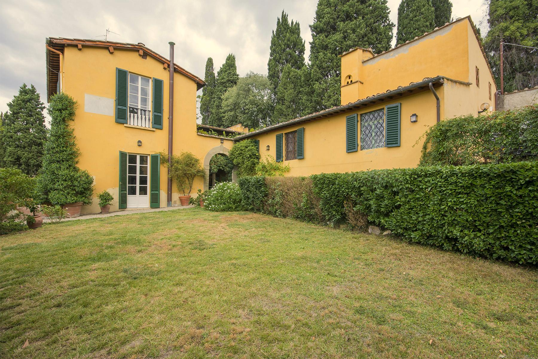 Magnificent villa of great charm close to the city center - 3