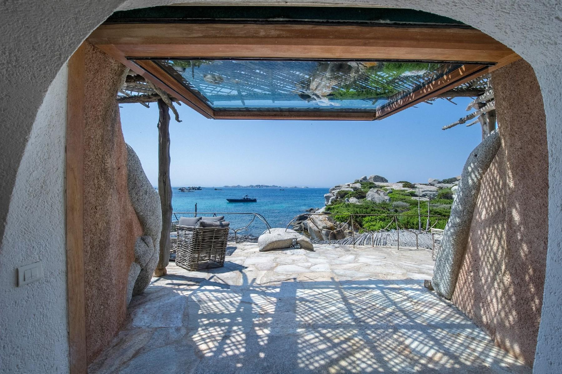 Cavallo Island, Corsica - Pieds-dans-l'eau villa designed by the architect Savin Couelle - 3