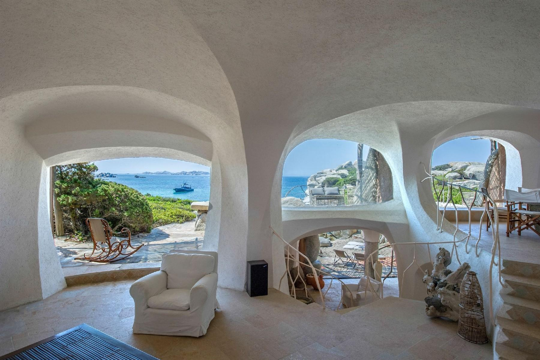 Cavallo Island, Corsica - Pieds-dans-l'eau villa designed by the architect Savin Couelle - 7