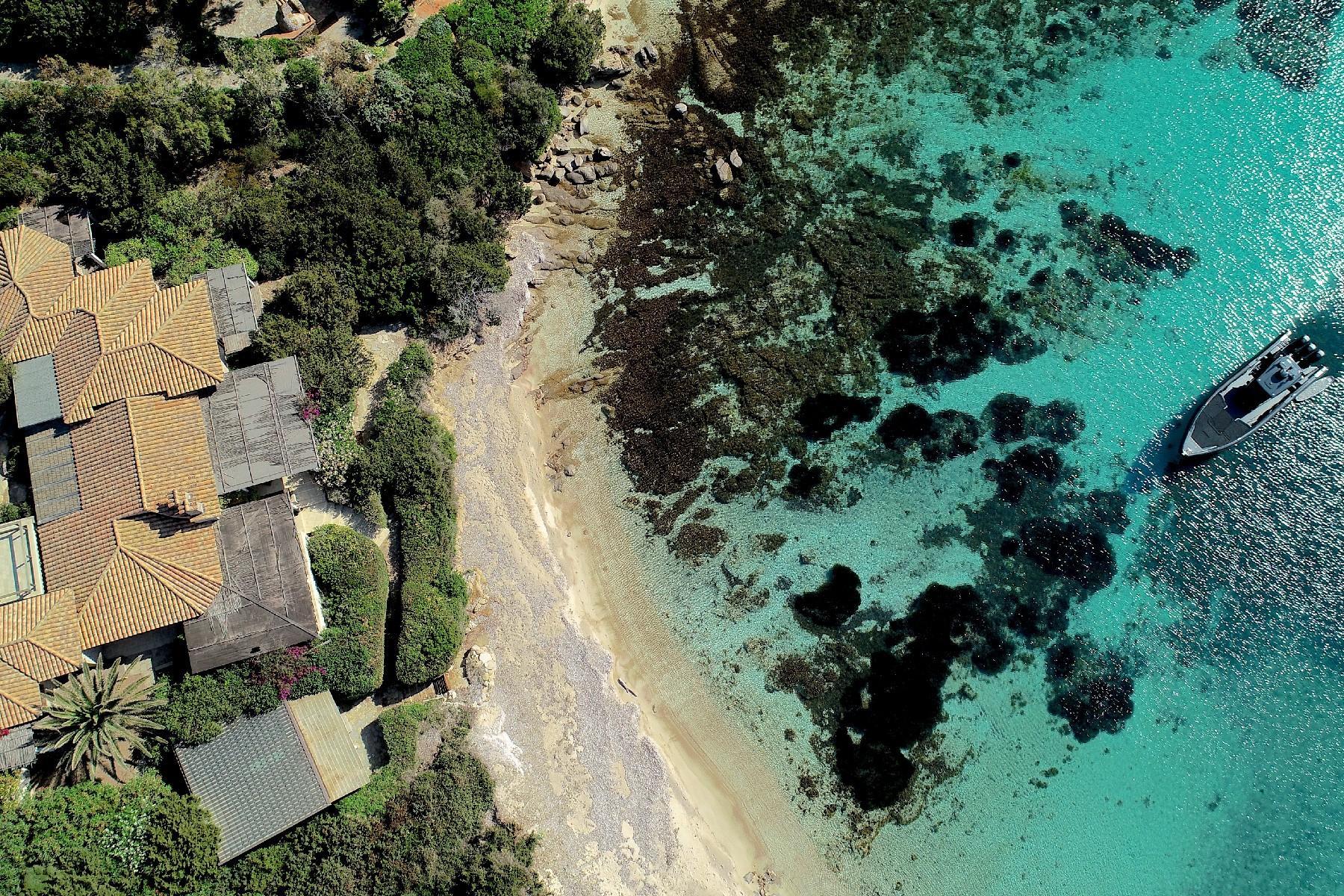 Cavallo Island, Corsica - Captivating pieds-dans-l'eau villa - 10