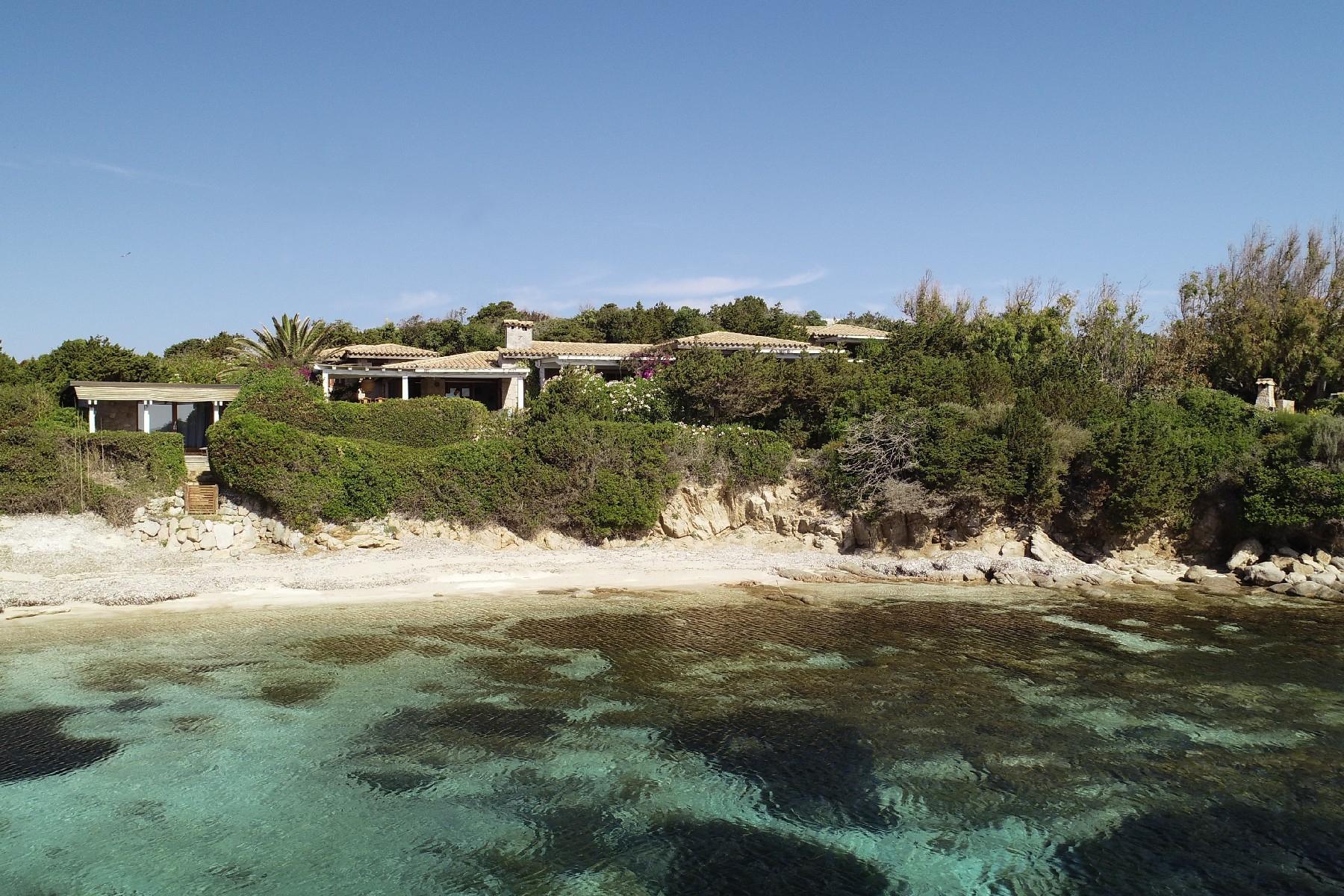 Ile de Cavallo, Corse - Fascinante villa pieds-dans-l'eau - 1