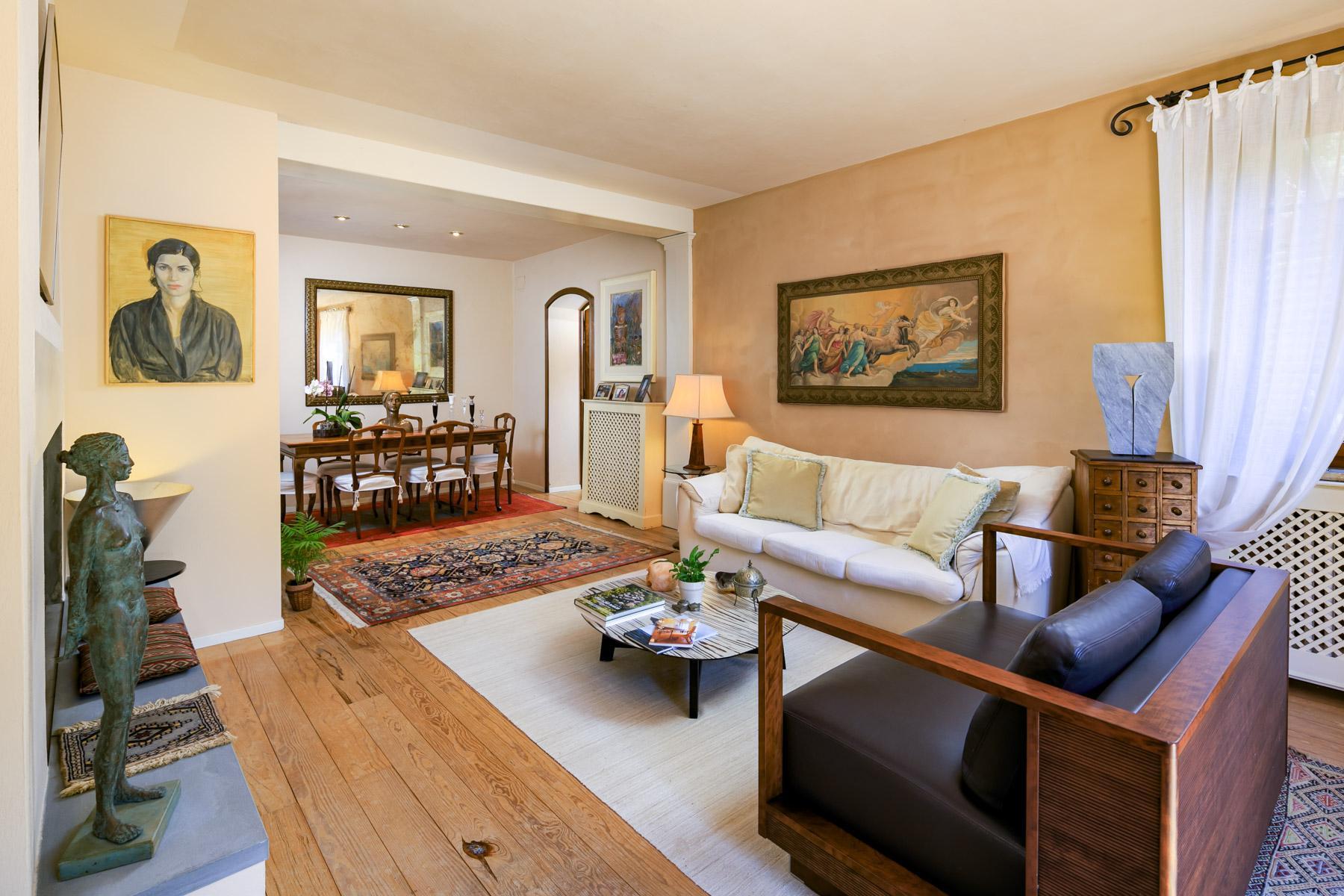 Elegante Villa mit Park und Olivenhainen auf dem Land Luccas - 4
