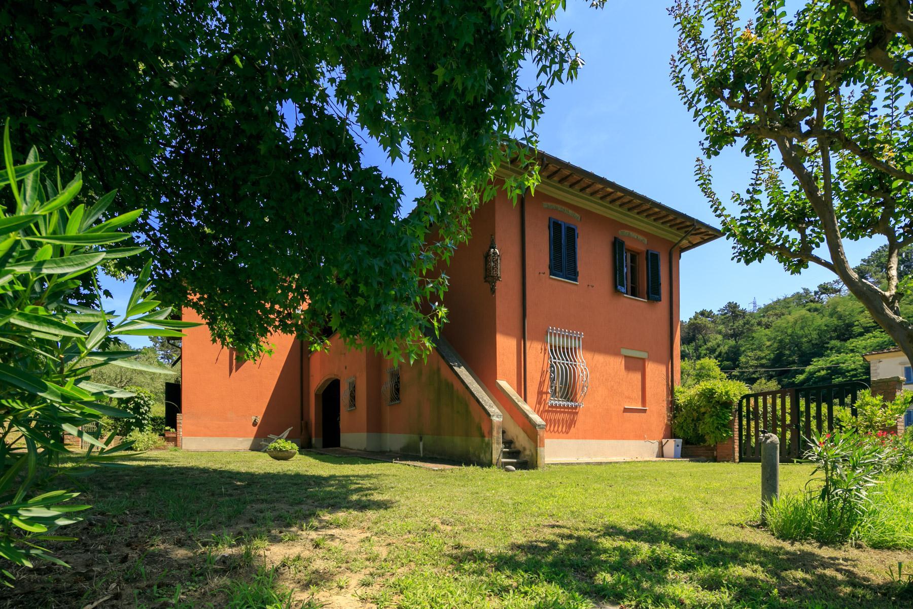 Elegante Villa mit Park und Olivenhainen auf dem Land Luccas - 19