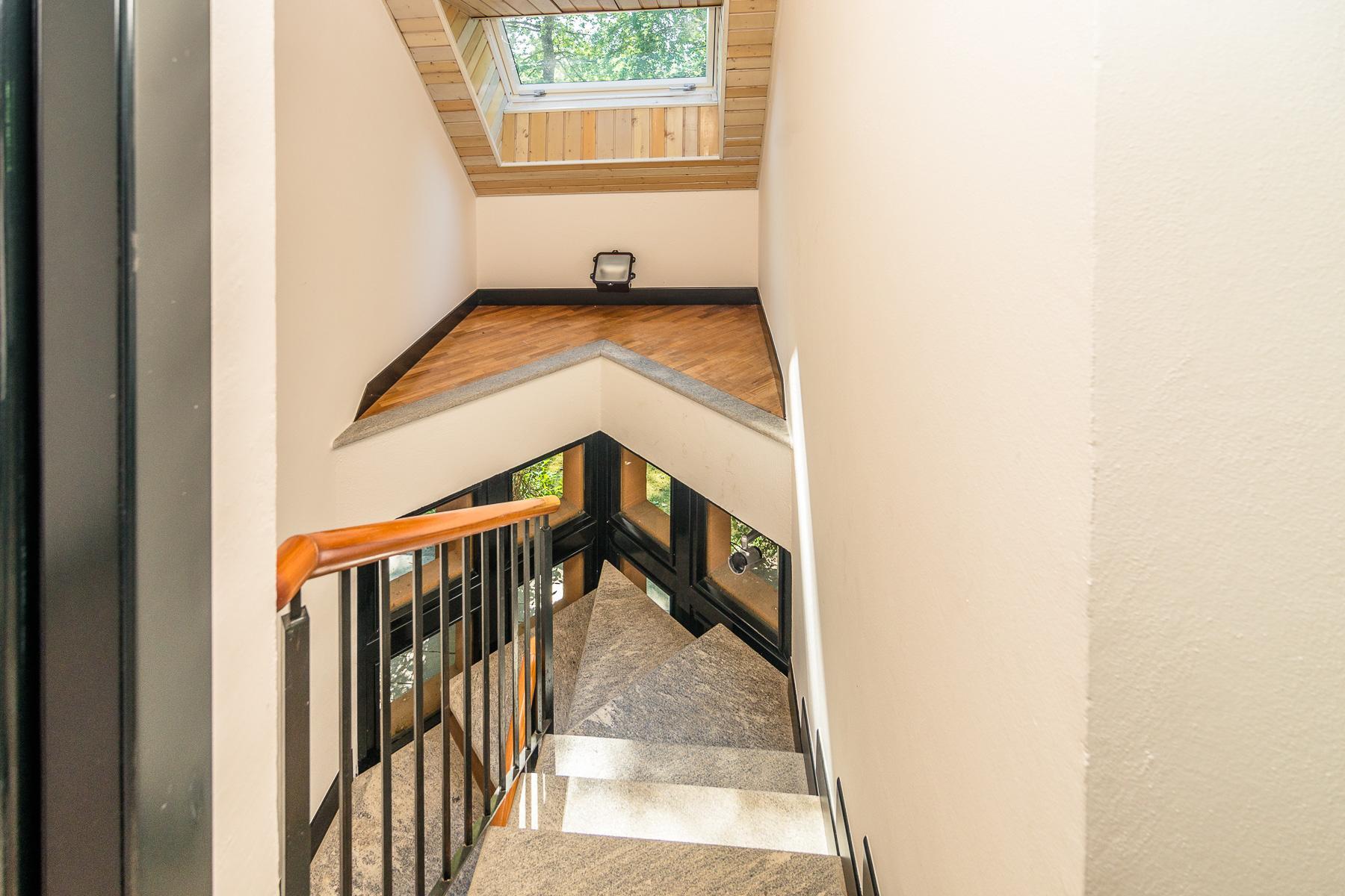 Elegant villa located within the golf club of Castelconturbia - 23