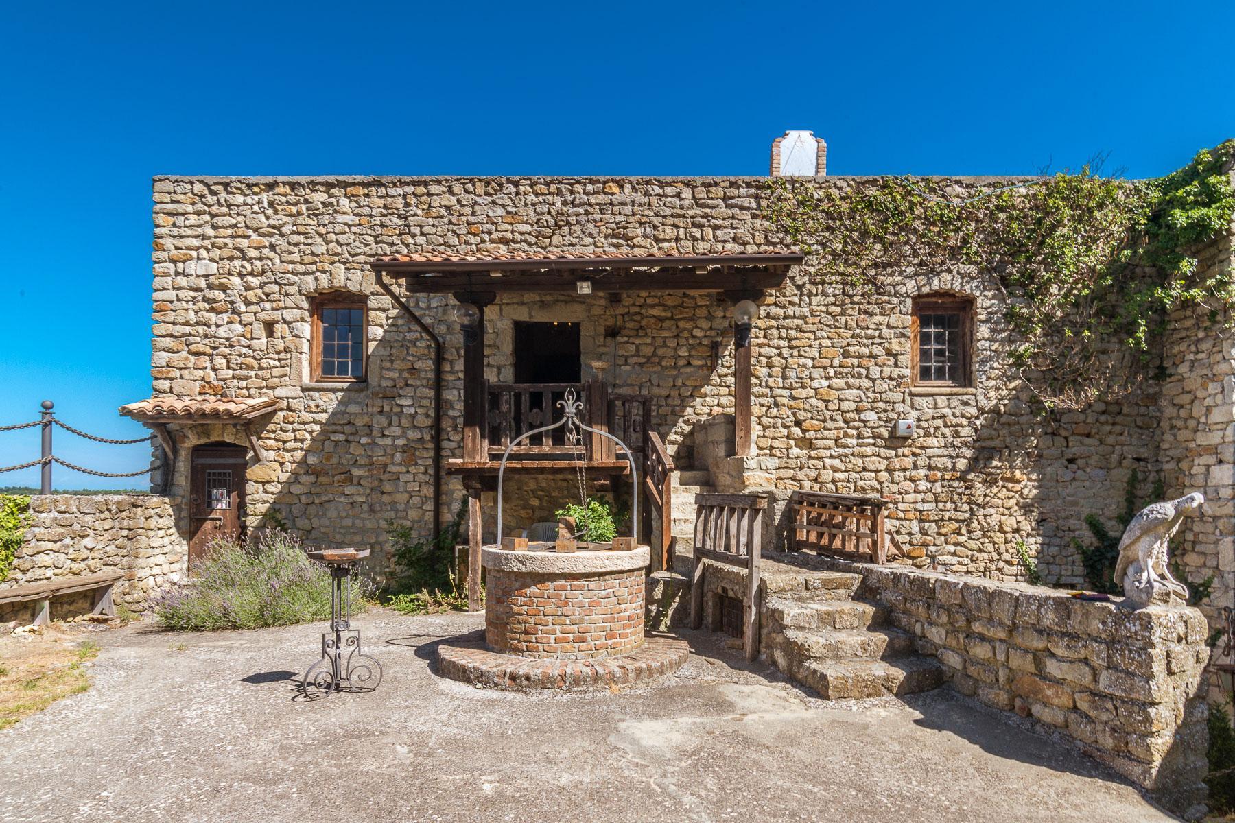 Château de Oramala - 12