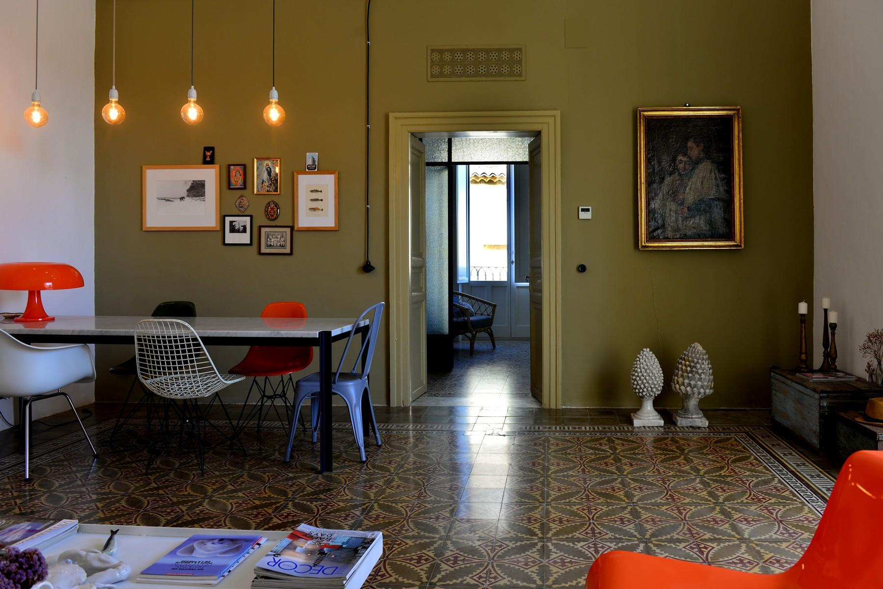 Renovated apartments with the original floors in Noto - 2