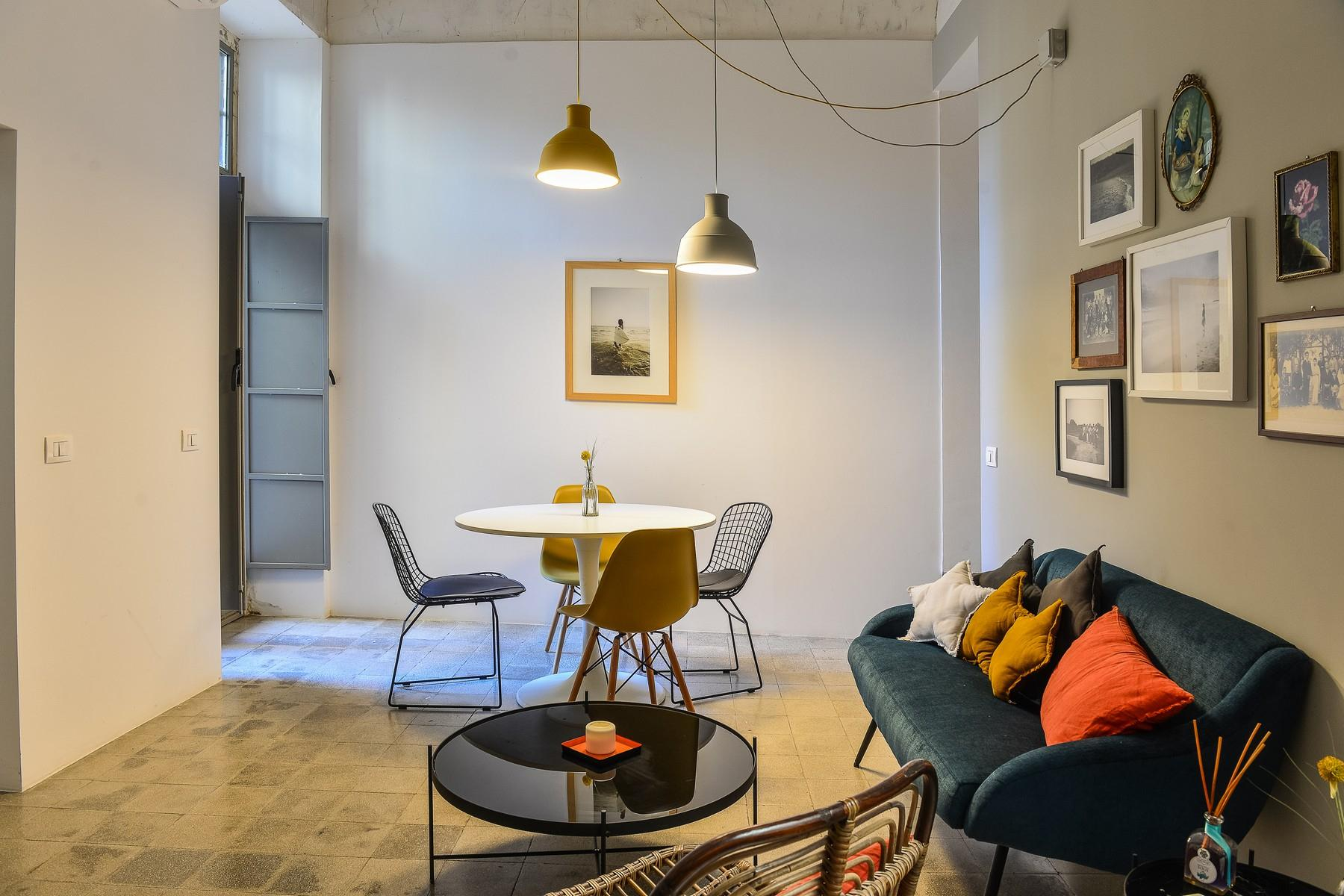 Renovated apartments with the original floors in Noto - 1