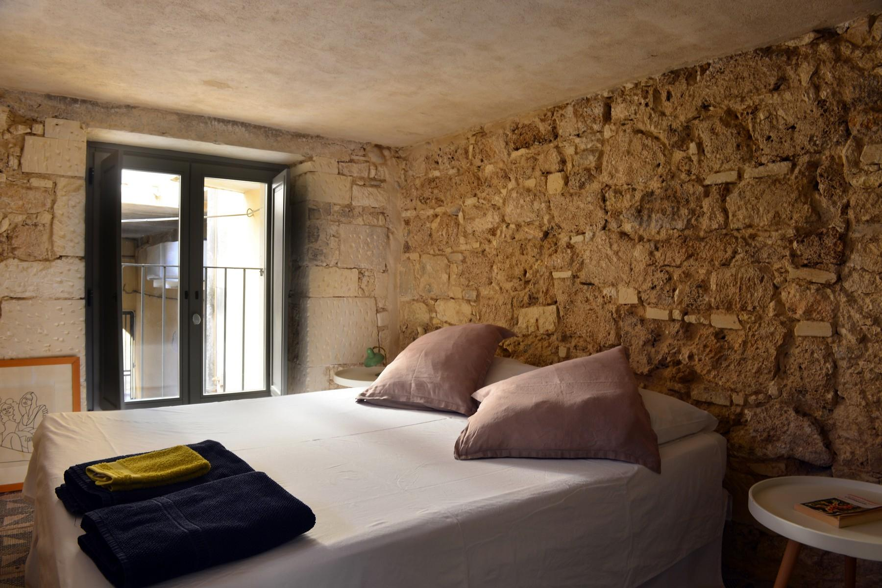Renovated apartments with the original floors in Noto - 20