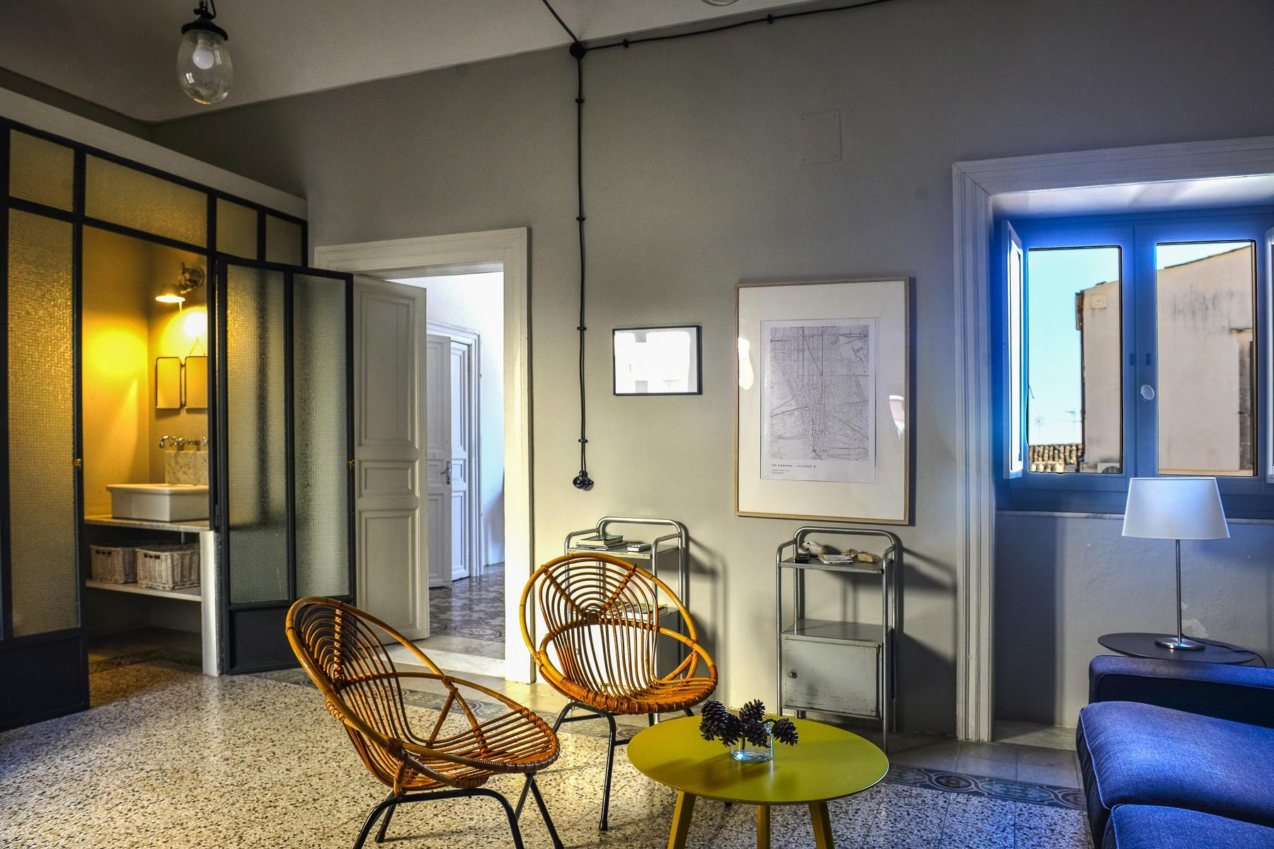 Renovated apartments with the original floors in Noto - 12