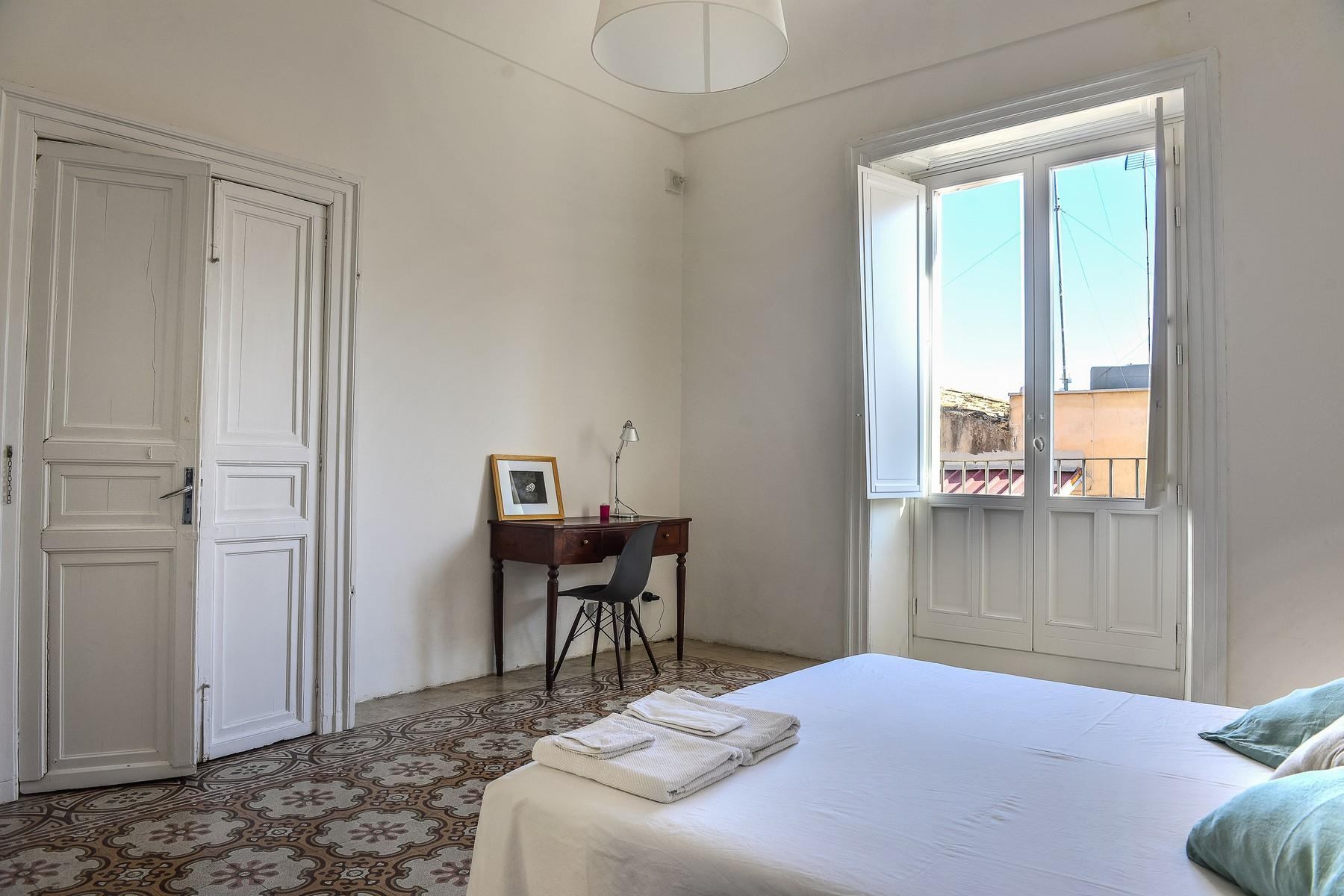Renovated apartments with the original floors in Noto - 23