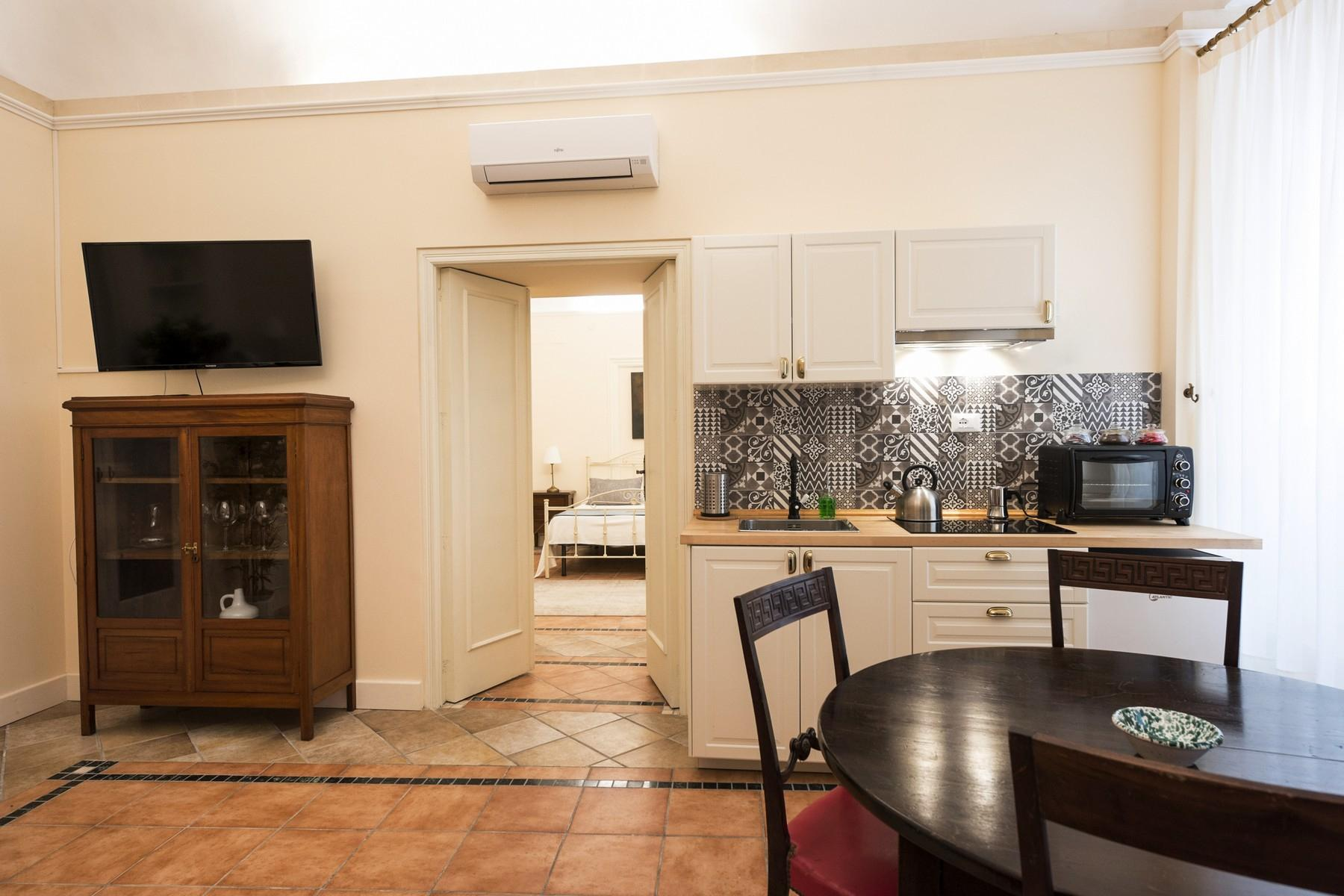 Renovated townhouse in Noto  - 8