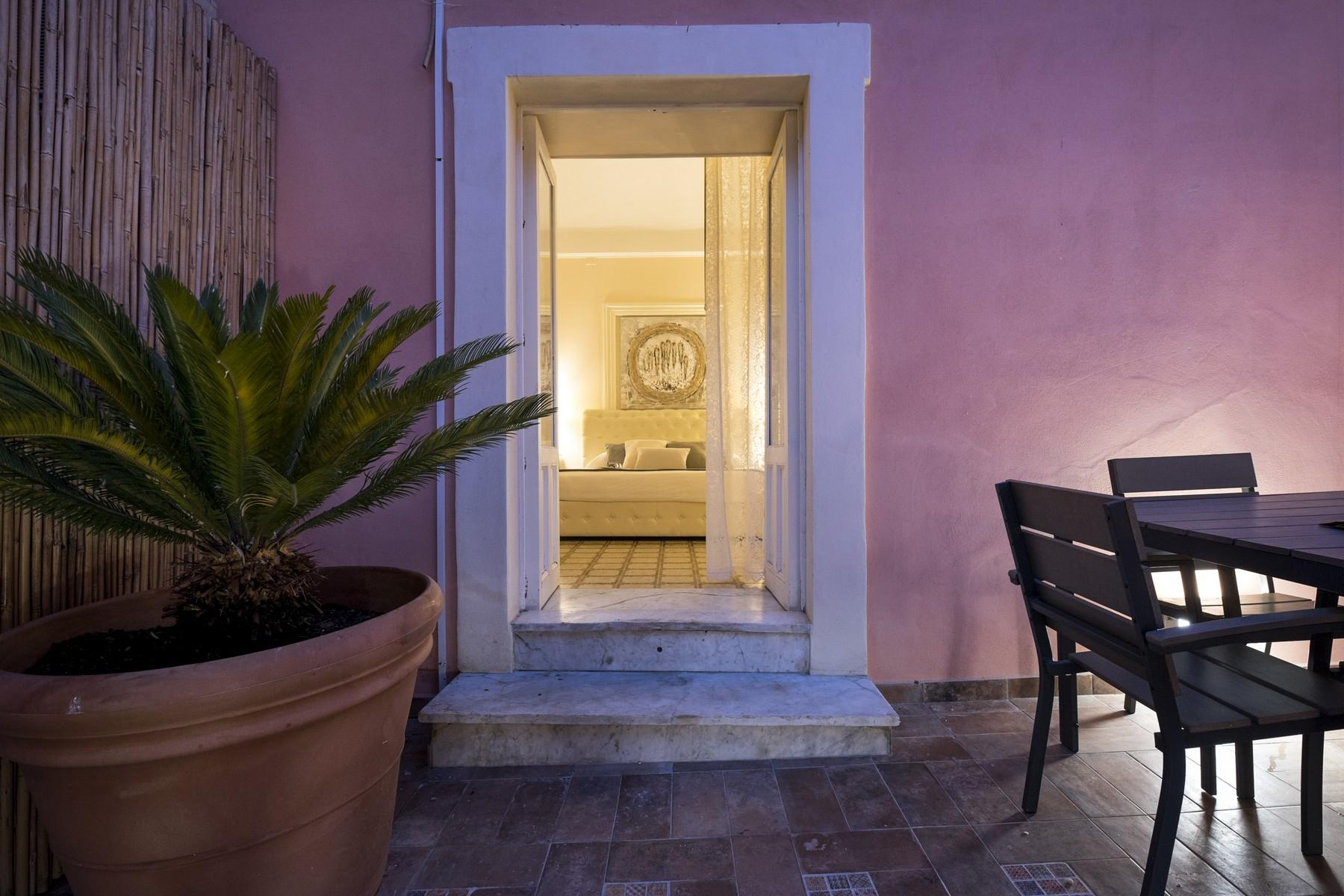 Renovated townhouse in Noto  - 9
