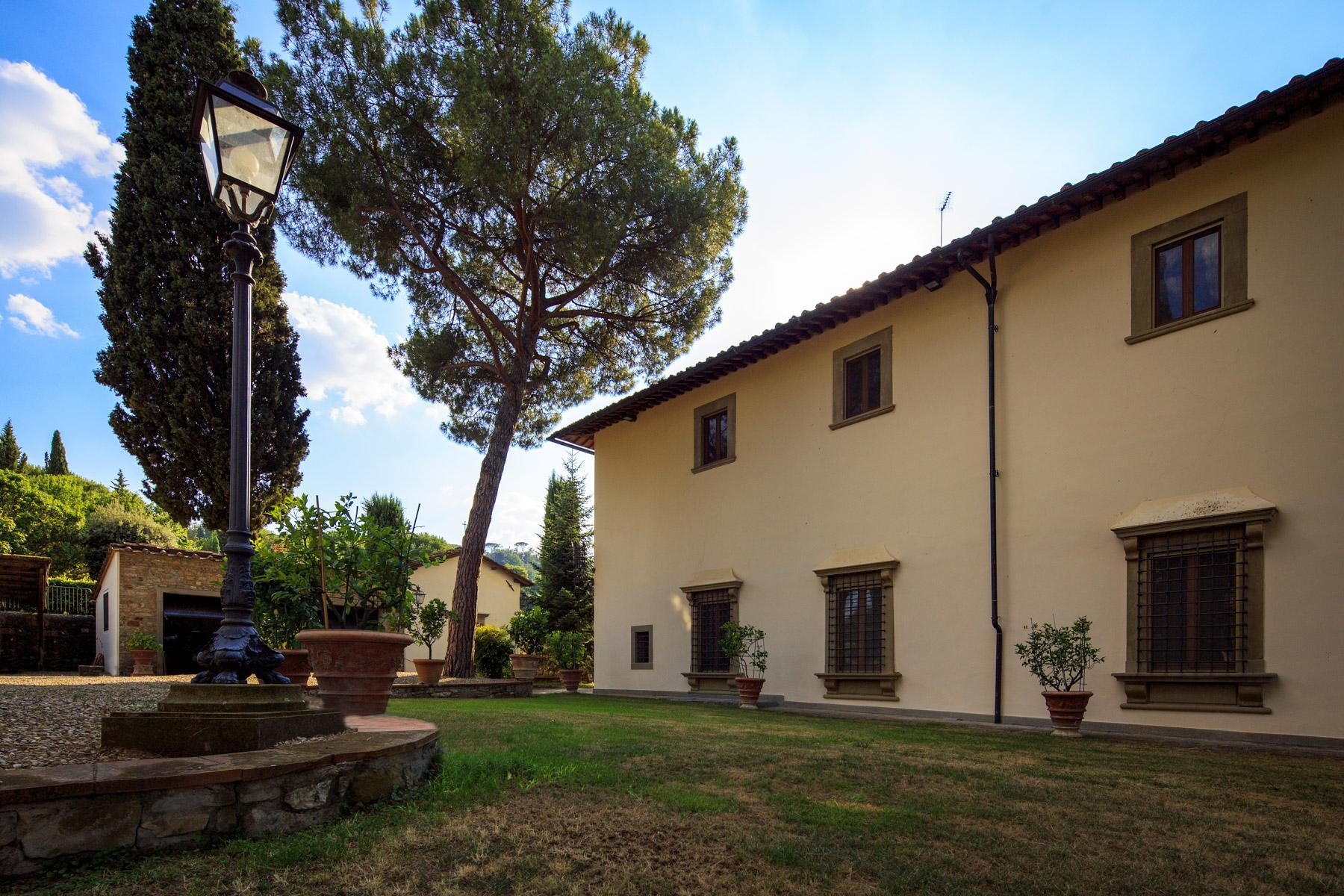 Maestosa Villa Rinascimentale sulle Colline Fiorentine con Cantina e Vigneto - 4
