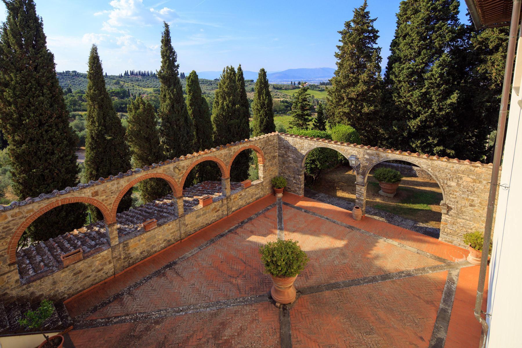 Maestosa Villa Rinascimentale sulle Colline Fiorentine con Cantina e Vigneto - 8