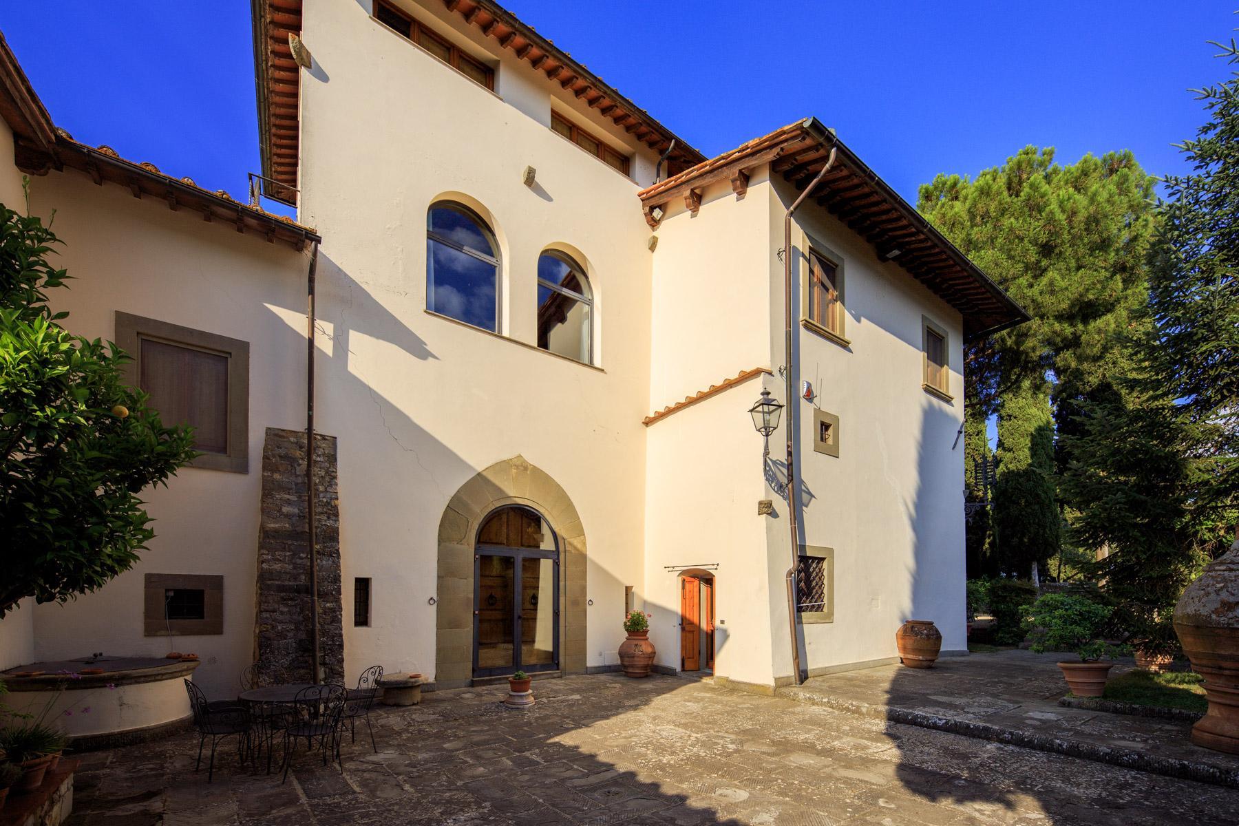 Maestosa Villa Rinascimentale sulle Colline Fiorentine con Cantina e Vigneto - 7