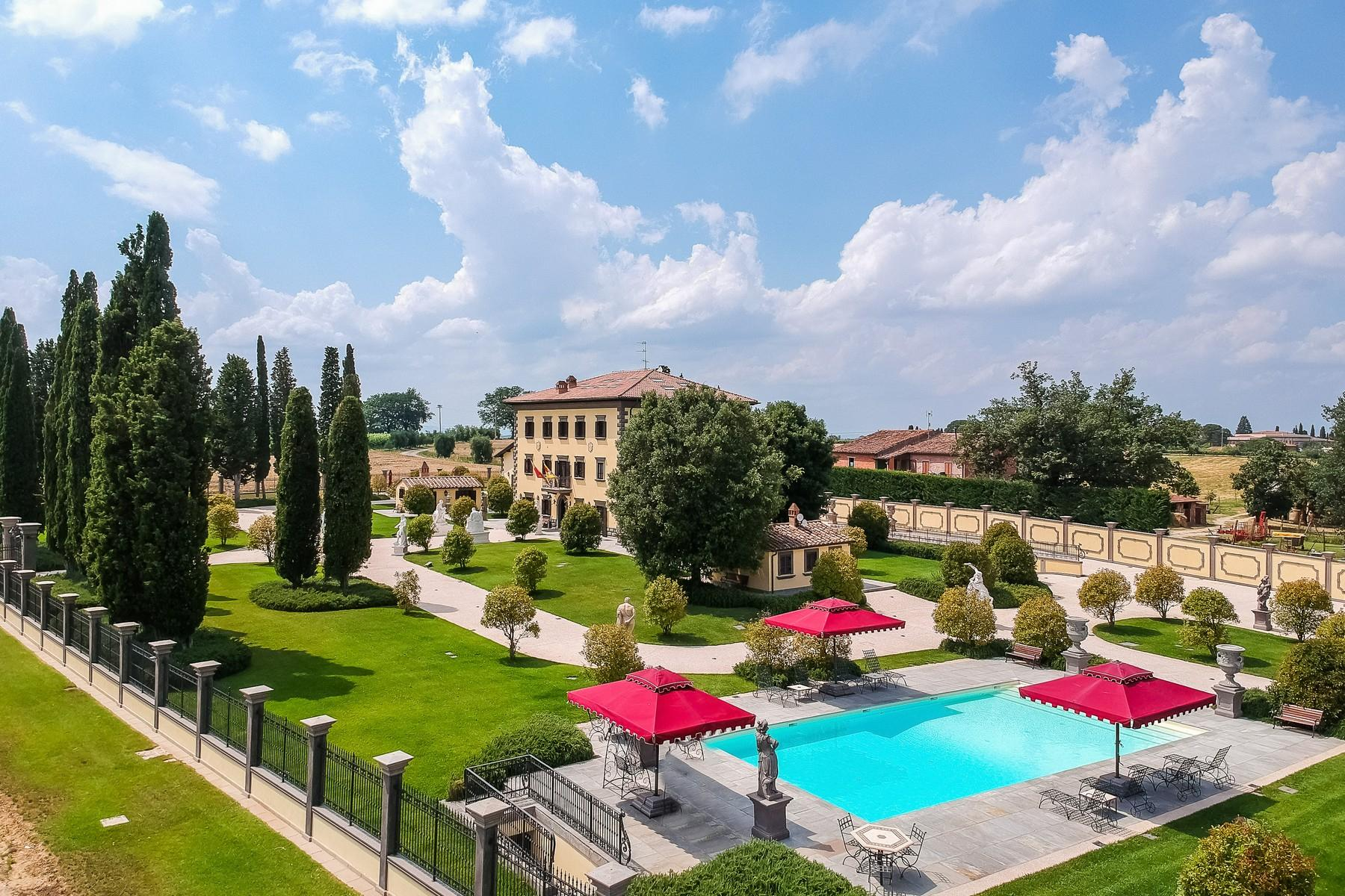 Luxury in quintessential Tuscany - 3