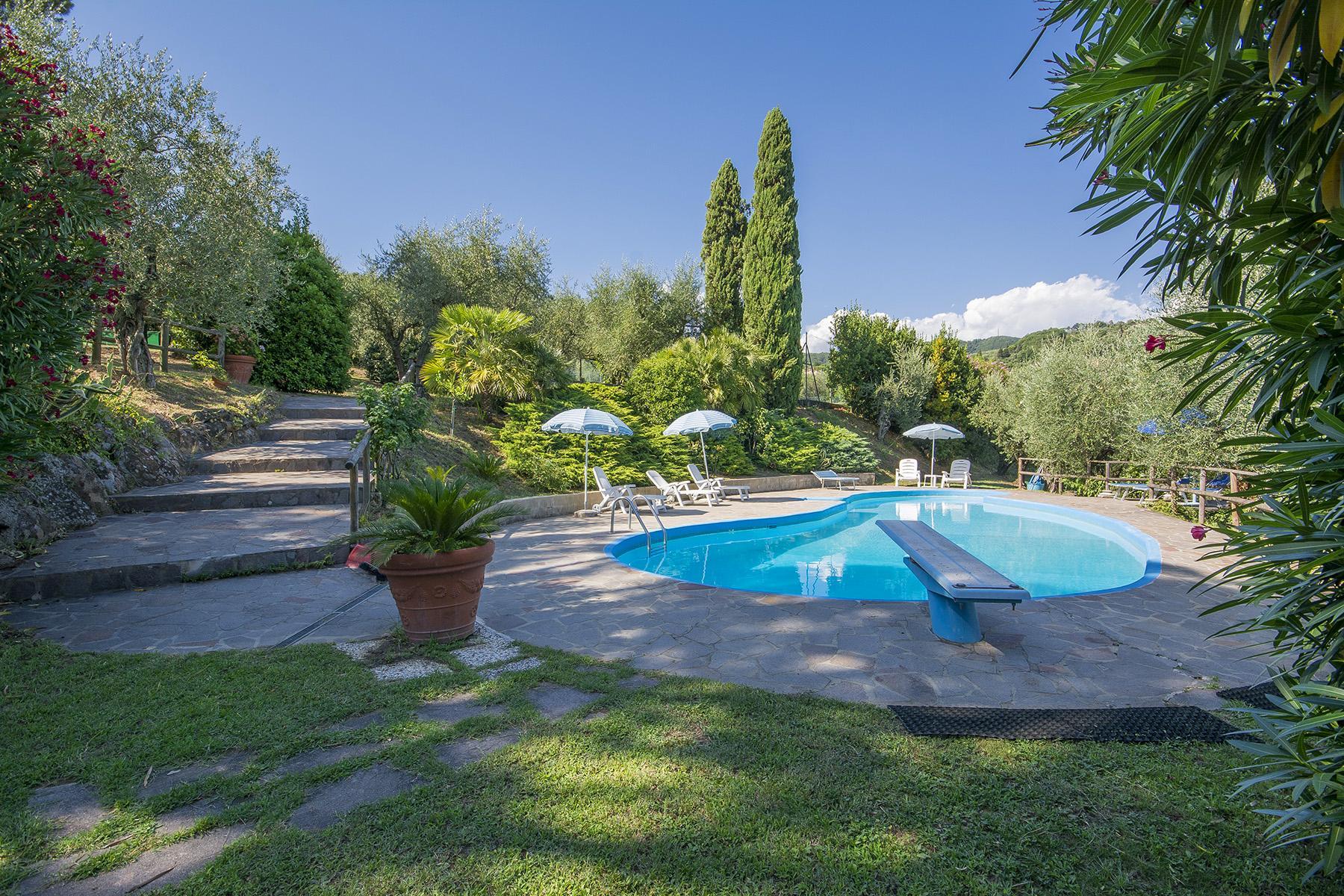 Prestigioso casale vicino al Golf di Montecatini Terme - 1