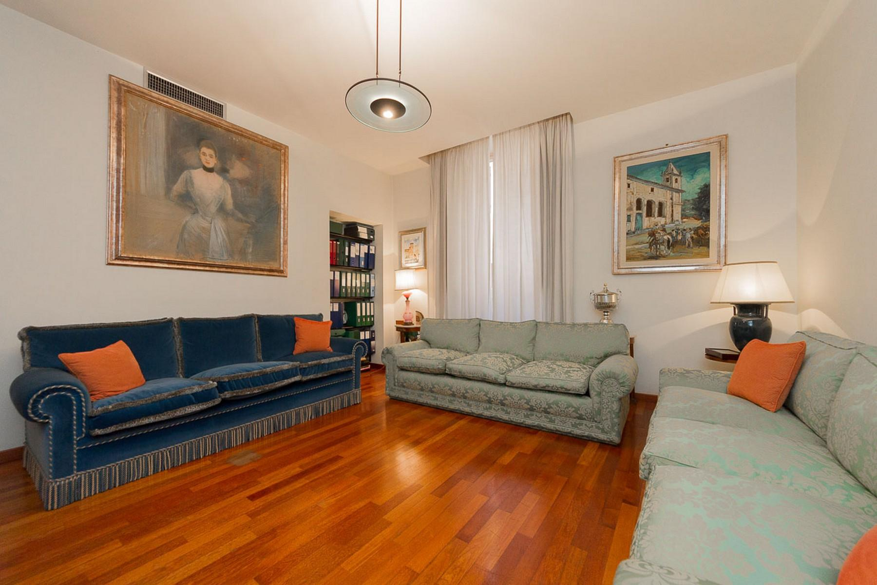 Luxury residential building in Rome city center - 16