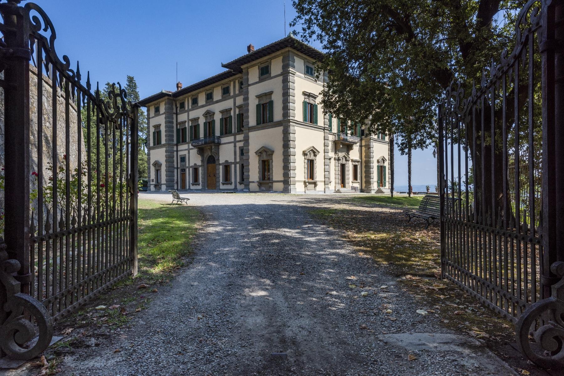 Maestosa Villa in stile Neo-Classico - 41