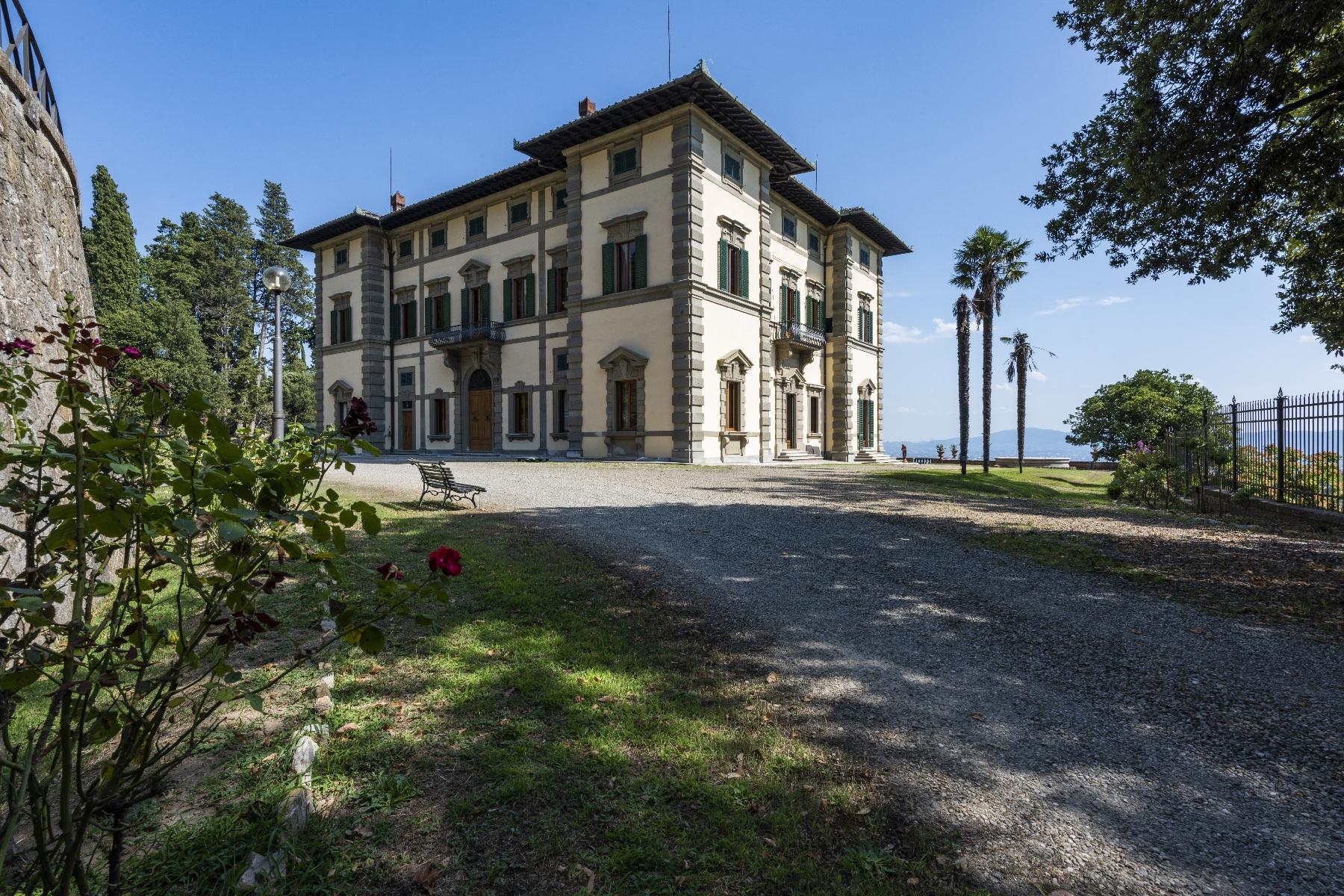 Maestosa Villa in stile Neo-Classico - 42