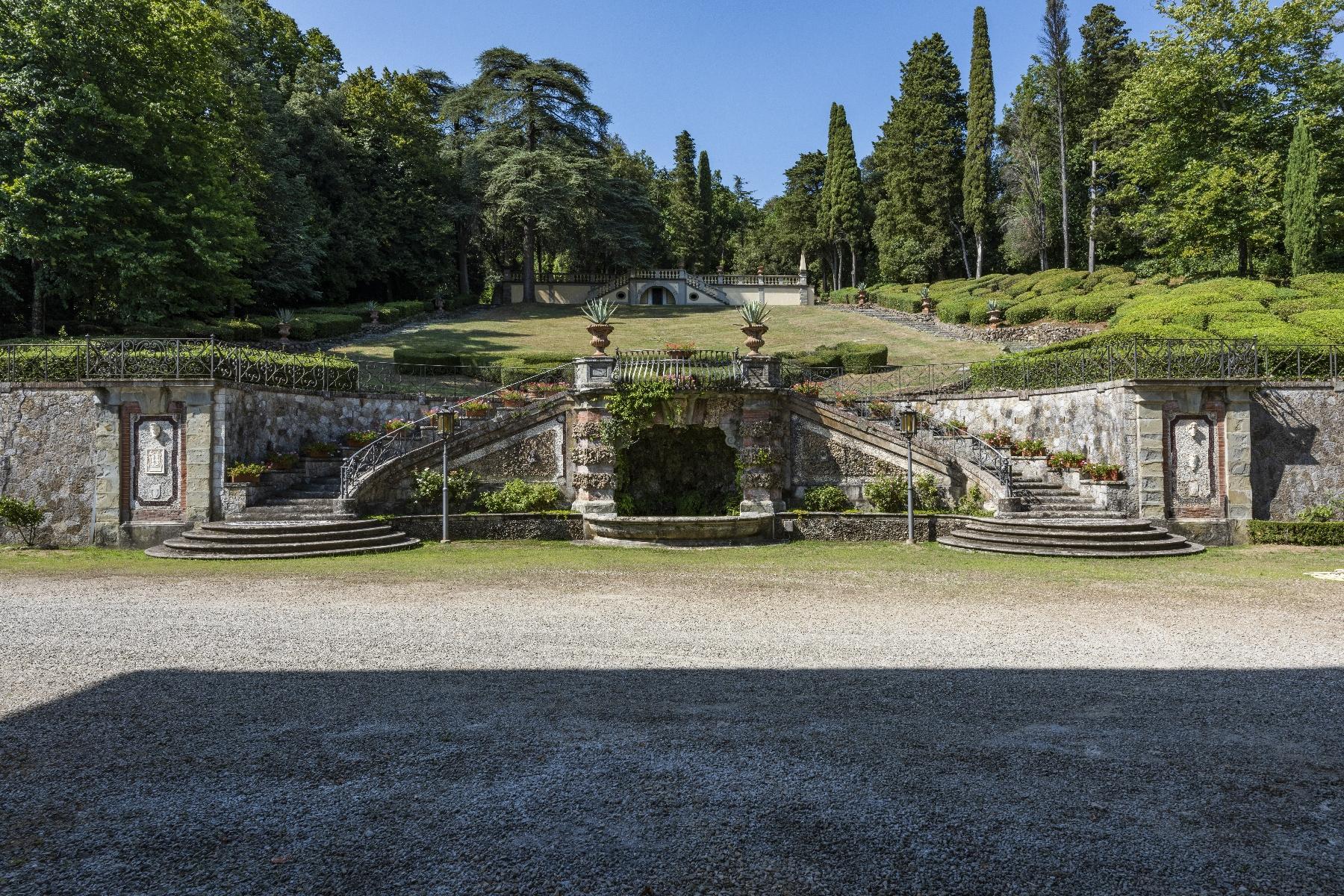 Maestosa Villa in stile Neo-Classico - 10